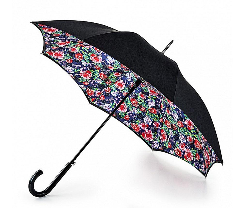 Зонт-трость женский Fulton Bloomsbury, полуавтомат, цвет: черный, мультиколор. L754-3163L754-3163 RoseGardenМодный полуавтоматический зонт-трость Fulton Bloomsbury даже в ненастную погоду позволит вам оставаться стильной и элегантной. Каркас зонта включает 8 спиц из фибергласса. Стержень изготовлен из стали. Особенностью этого зонта является наличие двойного купола, выполненного из прочного полиэстера. Верхний купол - однотонный; нижний, скрывающий спицы, оформлен красочным цветочным принтом. Изделие дополнено удобной пластиковой рукояткой. Зонт оснащен полуавтоматическим механизмом: купол открывается нажатием на кнопку около ручки и закрывается вручную до характерного щелчка. Модель застегивается с помощью хлястика на кнопку. Такой зонт не только надежно защитит вас от дождя, но и станет стильным аксессуаром, который идеально подчеркнет ваш неповторимый образ.