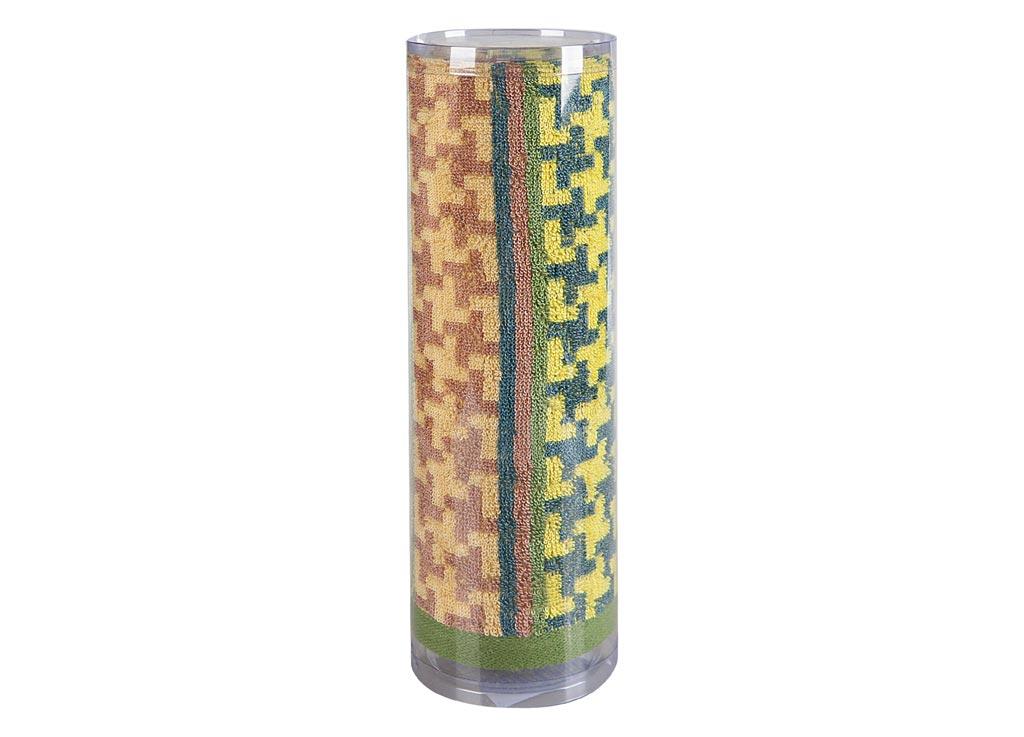 Полотенце махровое Soavita Азарт, цвет: зеленый, 50 х 90 см82746Махровое полотно создается из хлопковых нитей, которые, в свою очередь, прядутся из множества хлопковых волокон. Чем длиннее эти волокна, тем прочнее будет нить, и, соответственно, изделие. Длина составляющих хлопковую нить волокон влияет и на фактуру получаемой ткани: чем они длиннее, тем мягче и пушистее получится махровое изделие, тем лучше будет впитывать изделие воду. Хотя на впитывающие качество махры – ее гигроскопичность, не в последнюю очередь влияет состав волокна. Мягкая махровая ткань отлично впитывает влагу и быстро сохнет. Soavita – это популярный бренд домашнего текстиля. Дизайнерская студия этой фирмы находится во Флоренции, Италия. Производство перенесено в Китай, чтобы сделать продукцию более доступной для покупателей. Таким образом, вы имеете возможность покупать продукцию европейского качества совсем не дорого. Домашний текстиль прослужит вам долго: все детали качественно прошиты, ткани очень плотные, рисунок наносится безопасными для здоровья красителями, не...