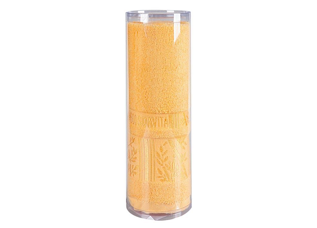 Полотенце махровое Soavita Sofia, цвет: желтый, 50 х 90 см82765Махровое полотно создается из хлопковых нитей, которые, в свою очередь, прядутся из множества хлопковых волокон. Чем длиннее эти волокна, тем прочнее будет нить, и, соответственно, изделие. Длина составляющих хлопковую нить волокон влияет и на фактуру получаемой ткани: чем они длиннее, тем мягче и пушистее получится махровое изделие, тем лучше будет впитывать изделие воду. Хотя на впитывающие качество махры – ее гигроскопичность, не в последнюю очередь влияет состав волокна. Мягкая махровая ткань отлично впитывает влагу и быстро сохнет. Soavita – это популярный бренд домашнего текстиля. Дизайнерская студия этой фирмы находится во Флоренции, Италия. Производство перенесено в Китай, чтобы сделать продукцию более доступной для покупателей. Таким образом, вы имеете возможность покупать продукцию европейского качества совсем не дорого. Домашний текстиль прослужит вам долго: все детали качественно прошиты, ткани очень плотные, рисунок наносится безопасными для здоровья красителями, не...