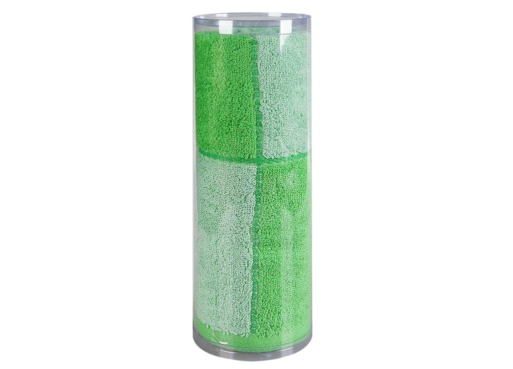 Полотенце махровое Soavita Азия, цвет: зеленый, 65 х 135 см82974Махровое полотно создается из хлопковых нитей, которые, в свою очередь, прядутся из множества хлопковых волокон. Чем длиннее эти волокна, тем прочнее будет нить, и, соответственно, изделие. Длина составляющих хлопковую нить волокон влияет и на фактуру получаемой ткани: чем они длиннее, тем мягче и пушистее получится махровое изделие, тем лучше будет впитывать изделие воду. Хотя на впитывающие качество махры – ее гигроскопичность, не в последнюю очередь влияет состав волокна. Мягкая махровая ткань отлично впитывает влагу и быстро сохнет. Soavita – это популярный бренд домашнего текстиля. Дизайнерская студия этой фирмы находится во Флоренции, Италия. Производство перенесено в Китай, чтобы сделать продукцию более доступной для покупателей. Таким образом, вы имеете возможность покупать продукцию европейского качества совсем не дорого. Домашний текстиль прослужит вам долго: все детали качественно прошиты, ткани очень плотные, рисунок наносится безопасными для здоровья красителями, не...