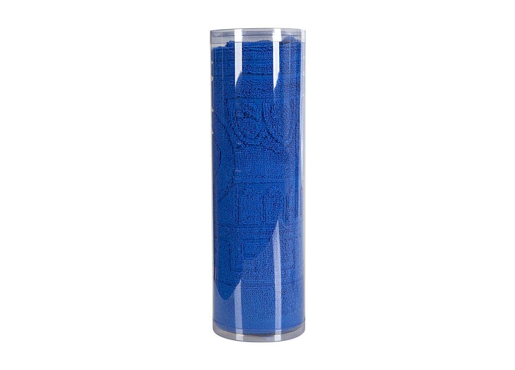 Полотенце махровое Soavita Капитель, цвет: синий, 65 х 130 см82996Махровое полотно создается из хлопковых нитей, которые, в свою очередь, прядутся из множества хлопковых волокон. Чем длиннее эти волокна, тем прочнее будет нить, и, соответственно, изделие. Длина составляющих хлопковую нить волокон влияет и на фактуру получаемой ткани: чем они длиннее, тем мягче и пушистее получится махровое изделие, тем лучше будет впитывать изделие воду. Хотя на впитывающие качество махры – ее гигроскопичность, не в последнюю очередь влияет состав волокна. Мягкая махровая ткань отлично впитывает влагу и быстро сохнет. Soavita – это популярный бренд домашнего текстиля. Дизайнерская студия этой фирмы находится во Флоренции, Италия. Производство перенесено в Китай, чтобы сделать продукцию более доступной для покупателей. Таким образом, вы имеете возможность покупать продукцию европейского качества совсем не дорого. Домашний текстиль прослужит вам долго: все детали качественно прошиты, ткани очень плотные, рисунок наносится безопасными для здоровья красителями, не...