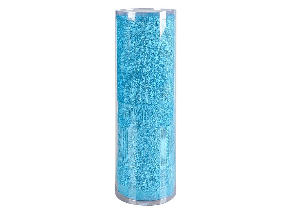 Полотенце махровое Soavita Sofia, цвет: бирюзовый, 70 х 140 см82998Махровое полотно создается из хлопковых нитей, которые, в свою очередь, прядутся из множества хлопковых волокон. Чем длиннее эти волокна, тем прочнее будет нить, и, соответственно, изделие. Длина составляющих хлопковую нить волокон влияет и на фактуру получаемой ткани: чем они длиннее, тем мягче и пушистее получится махровое изделие, тем лучше будет впитывать изделие воду. Хотя на впитывающие качество махры – ее гигроскопичность, не в последнюю очередь влияет состав волокна. Мягкая махровая ткань отлично впитывает влагу и быстро сохнет. Soavita – это популярный бренд домашнего текстиля. Дизайнерская студия этой фирмы находится во Флоренции, Италия. Производство перенесено в Китай, чтобы сделать продукцию более доступной для покупателей. Таким образом, вы имеете возможность покупать продукцию европейского качества совсем не дорого. Домашний текстиль прослужит вам долго: все детали качественно прошиты, ткани очень плотные, рисунок наносится безопасными для здоровья красителями, не...