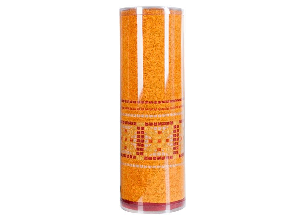 Полотенце махровое Soavita Eo. Star, цвет: темно-желтый, 70 х 140 см83073Махровое полотно создается из хлопковых нитей, которые, в свою очередь, прядутся из множества хлопковых волокон. Чем длиннее эти волокна, тем прочнее будет нить, и, соответственно, изделие. Длина составляющих хлопковую нить волокон влияет и на фактуру получаемой ткани: чем они длиннее, тем мягче и пушистее получится махровое изделие, тем лучше будет впитывать изделие воду. Хотя на впитывающие качество махры – ее гигроскопичность, не в последнюю очередь влияет состав волокна. Мягкая махровая ткань отлично впитывает влагу и быстро сохнет. Soavita – это популярный бренд домашнего текстиля. Дизайнерская студия этой фирмы находится во Флоренции, Италия. Производство перенесено в Китай, чтобы сделать продукцию более доступной для покупателей. Таким образом, вы имеете возможность покупать продукцию европейского качества совсем не дорого. Домашний текстиль прослужит вам долго: все детали качественно прошиты, ткани очень плотные, рисунок наносится безопасными для здоровья красителями, не...