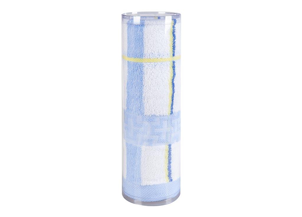 Полотенце махровое Soavita Df. Светлая клетка, цвет: синий, 50 х 100 см83098Махровое полотно создается из хлопковых нитей, которые, в свою очередь, прядутся из множества хлопковых волокон. Чем длиннее эти волокна, тем прочнее будет нить, и, соответственно, изделие. Длина составляющих хлопковую нить волокон влияет и на фактуру получаемой ткани: чем они длиннее, тем мягче и пушистее получится махровое изделие, тем лучше будет впитывать изделие воду. Хотя на впитывающие качество махры – ее гигроскопичность, не в последнюю очередь влияет состав волокна. Мягкая махровая ткань отлично впитывает влагу и быстро сохнет. Soavita – это популярный бренд домашнего текстиля. Дизайнерская студия этой фирмы находится во Флоренции, Италия. Производство перенесено в Китай, чтобы сделать продукцию более доступной для покупателей. Таким образом, вы имеете возможность покупать продукцию европейского качества совсем не дорого. Домашний текстиль прослужит вам долго: все детали качественно прошиты, ткани очень плотные, рисунок наносится безопасными для здоровья красителями, не...