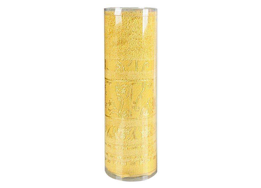 Полотенце махровое Soavita Df. Sandra, цвет: медовый, 50 х 90 см83114Махровое полотно создается из хлопковых нитей, которые, в свою очередь, прядутся из множества хлопковых волокон. Чем длиннее эти волокна, тем прочнее будет нить, и, соответственно, изделие. Длина составляющих хлопковую нить волокон влияет и на фактуру получаемой ткани: чем они длиннее, тем мягче и пушистее получится махровое изделие, тем лучше будет впитывать изделие воду. Хотя на впитывающие качество махры – ее гигроскопичность, не в последнюю очередь влияет состав волокна. Мягкая махровая ткань отлично впитывает влагу и быстро сохнет. Soavita – это популярный бренд домашнего текстиля. Дизайнерская студия этой фирмы находится во Флоренции, Италия. Производство перенесено в Китай, чтобы сделать продукцию более доступной для покупателей. Таким образом, вы имеете возможность покупать продукцию европейского качества совсем не дорого. Домашний текстиль прослужит вам долго: все детали качественно прошиты, ткани очень плотные, рисунок наносится безопасными для здоровья красителями, не...
