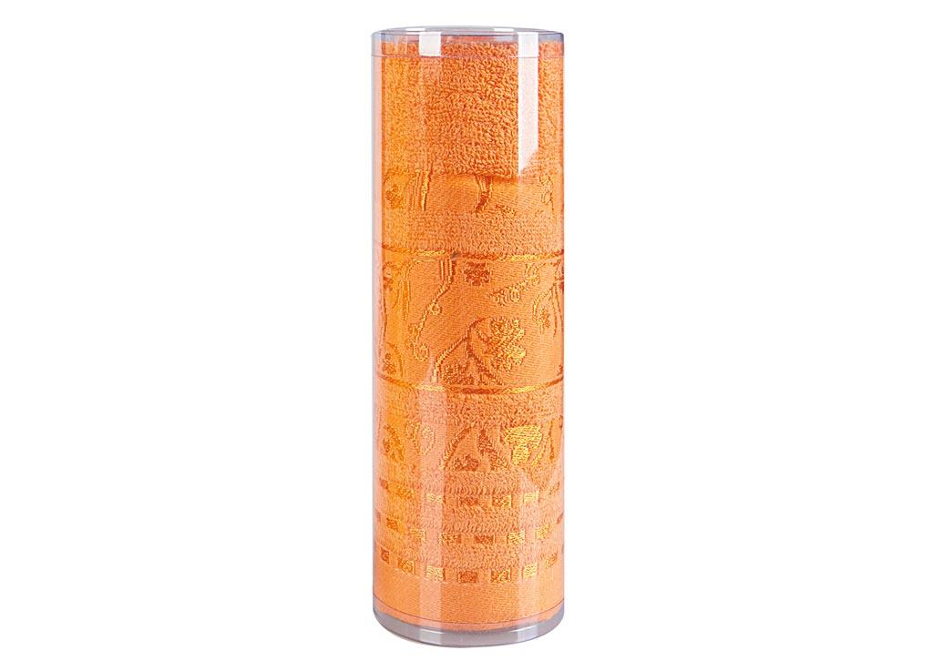 Полотенце махровое Soavita Df. Sandra, цвет: оранжевый, 50 х 90 см83115Махровое полотно создается из хлопковых нитей, которые, в свою очередь, прядутся из множества хлопковых волокон. Чем длиннее эти волокна, тем прочнее будет нить, и, соответственно, изделие. Длина составляющих хлопковую нить волокон влияет и на фактуру получаемой ткани: чем они длиннее, тем мягче и пушистее получится махровое изделие, тем лучше будет впитывать изделие воду. Хотя на впитывающие качество махры – ее гигроскопичность, не в последнюю очередь влияет состав волокна. Мягкая махровая ткань отлично впитывает влагу и быстро сохнет. Soavita – это популярный бренд домашнего текстиля. Дизайнерская студия этой фирмы находится во Флоренции, Италия. Производство перенесено в Китай, чтобы сделать продукцию более доступной для покупателей. Таким образом, вы имеете возможность покупать продукцию европейского качества совсем не дорого. Домашний текстиль прослужит вам долго: все детали качественно прошиты, ткани очень плотные, рисунок наносится безопасными для здоровья красителями, не...