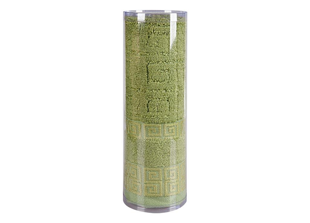 Полотенце махровое Soavita Alber, цвет: зеленый, 50 х 70 см83119Махровое полотно создается из хлопковых нитей, которые, в свою очередь, прядутся из множества хлопковых волокон. Чем длиннее эти волокна, тем прочнее будет нить, и, соответственно, изделие. Длина составляющих хлопковую нить волокон влияет и на фактуру получаемой ткани: чем они длиннее, тем мягче и пушистее получится махровое изделие, тем лучше будет впитывать изделие воду. Хотя на впитывающие качество махры – ее гигроскопичность, не в последнюю очередь влияет состав волокна. Мягкая махровая ткань отлично впитывает влагу и быстро сохнет. Soavita – это популярный бренд домашнего текстиля. Дизайнерская студия этой фирмы находится во Флоренции, Италия. Производство перенесено в Китай, чтобы сделать продукцию более доступной для покупателей. Таким образом, вы имеете возможность покупать продукцию европейского качества совсем не дорого. Домашний текстиль прослужит вам долго: все детали качественно прошиты, ткани очень плотные, рисунок наносится безопасными для здоровья красителями, не...