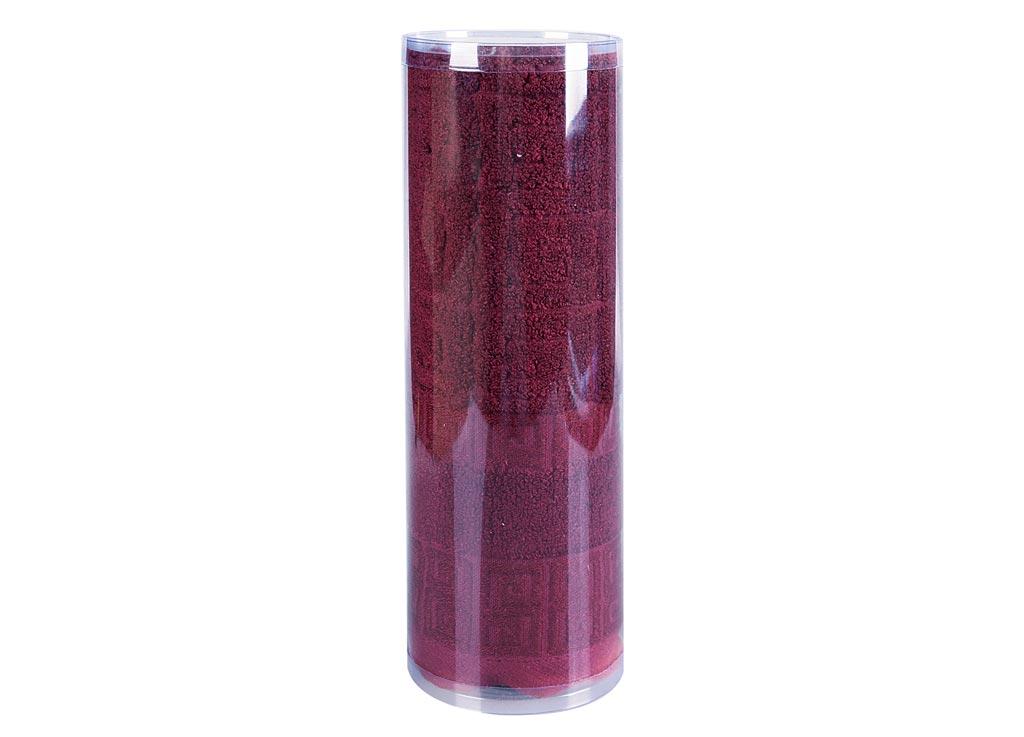 Полотенце махровое Soavita Alber, цвет: оранжевый, 50 х 70 см83120Махровое полотно создается из хлопковых нитей, которые, в свою очередь, прядутся из множества хлопковых волокон. Чем длиннее эти волокна, тем прочнее будет нить, и, соответственно, изделие. Длина составляющих хлопковую нить волокон влияет и на фактуру получаемой ткани: чем они длиннее, тем мягче и пушистее получится махровое изделие, тем лучше будет впитывать изделие воду. Хотя на впитывающие качество махры – ее гигроскопичность, не в последнюю очередь влияет состав волокна. Мягкая махровая ткань отлично впитывает влагу и быстро сохнет. Soavita – это популярный бренд домашнего текстиля. Дизайнерская студия этой фирмы находится во Флоренции, Италия. Производство перенесено в Китай, чтобы сделать продукцию более доступной для покупателей. Таким образом, вы имеете возможность покупать продукцию европейского качества совсем не дорого. Домашний текстиль прослужит вам долго: все детали качественно прошиты, ткани очень плотные, рисунок наносится безопасными для здоровья красителями, не...
