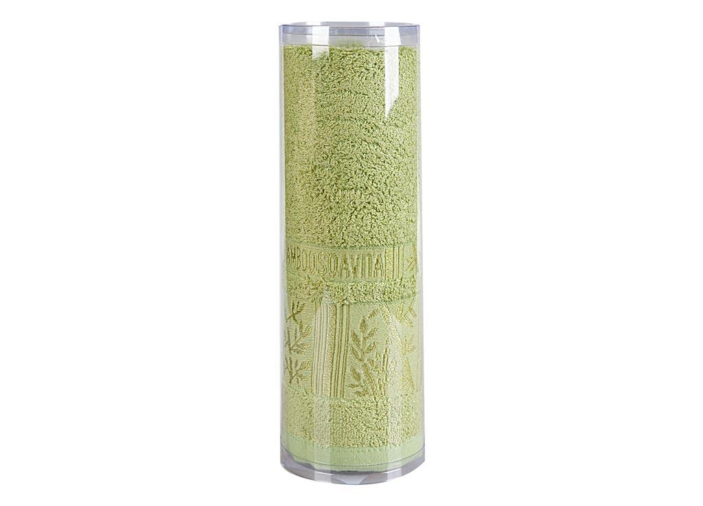 Полотенце махровое Soavita Sofia, цвет: зеленый, 70 х 140 см83135Махровое полотно создается из хлопковых нитей, которые, в свою очередь, прядутся из множества хлопковых волокон. Чем длиннее эти волокна, тем прочнее будет нить, и, соответственно, изделие. Длина составляющих хлопковую нить волокон влияет и на фактуру получаемой ткани: чем они длиннее, тем мягче и пушистее получится махровое изделие, тем лучше будет впитывать изделие воду. Хотя на впитывающие качество махры – ее гигроскопичность, не в последнюю очередь влияет состав волокна. Мягкая махровая ткань отлично впитывает влагу и быстро сохнет. Soavita – это популярный бренд домашнего текстиля. Дизайнерская студия этой фирмы находится во Флоренции, Италия. Производство перенесено в Китай, чтобы сделать продукцию более доступной для покупателей. Таким образом, вы имеете возможность покупать продукцию европейского качества совсем не дорого. Домашний текстиль прослужит вам долго: все детали качественно прошиты, ткани очень плотные, рисунок наносится безопасными для здоровья красителями, не...