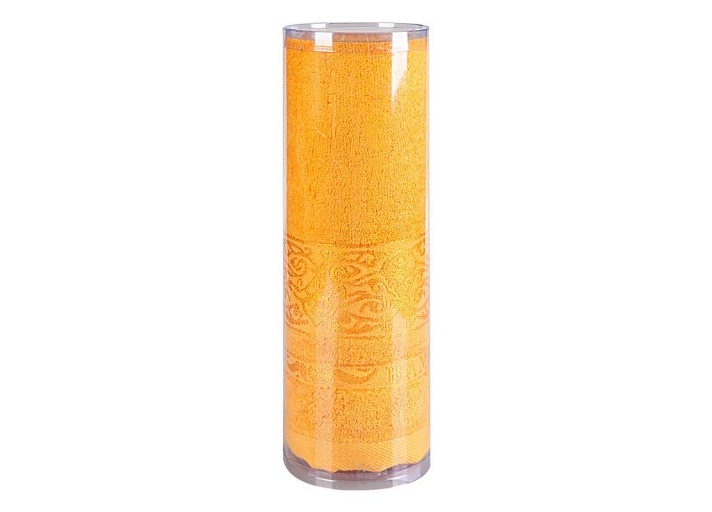 Полотенце махровое Soavita Mario, цвет: желтый, 70 х 140 см83162Махровое полотно создается из хлопковых нитей, которые, в свою очередь, прядутся из множества хлопковых волокон. Чем длиннее эти волокна, тем прочнее будет нить, и, соответственно, изделие. Длина составляющих хлопковую нить волокон влияет и на фактуру получаемой ткани: чем они длиннее, тем мягче и пушистее получится махровое изделие, тем лучше будет впитывать изделие воду. Хотя на впитывающие качество махры – ее гигроскопичность, не в последнюю очередь влияет состав волокна. Мягкая махровая ткань отлично впитывает влагу и быстро сохнет. Soavita – это популярный бренд домашнего текстиля. Дизайнерская студия этой фирмы находится во Флоренции, Италия. Производство перенесено в Китай, чтобы сделать продукцию более доступной для покупателей. Таким образом, вы имеете возможность покупать продукцию европейского качества совсем не дорого. Домашний текстиль прослужит вам долго: все детали качественно прошиты, ткани очень плотные, рисунок наносится безопасными для здоровья красителями, не...
