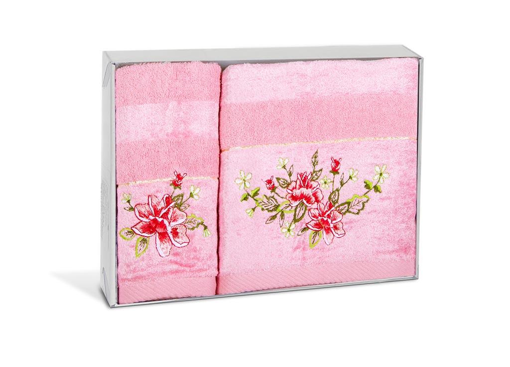 Набор махровых полотенец Soavita Azalea, цвет: розовый, 2 шт71383Махровое полотно создается из хлопковых нитей, которые, в свою очередь, прядутся из множества хлопковых волокон. Чем длиннее эти волокна, тем прочнее будет нить, и, соответственно, изделие. Длина составляющих хлопковую нить волокон влияет и на фактуру получаемой ткани: чем они длиннее, тем мягче и пушистее получится махровое изделие, тем лучше будет впитывать изделие воду. Хотя на впитывающие качество махры – ее гигроскопичность, не в последнюю очередь влияет состав волокна. Мягкая махровая ткань отлично впитывает влагу и быстро сохнет.