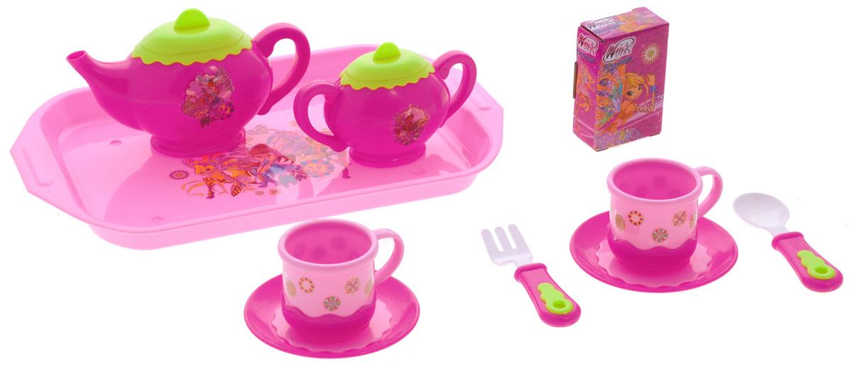 Играем вместе Набор посуды Winx 11 предметовNF2872-RНабор детской посуды Играем вместе Winx, изготовленный из пластика с изображением фей Winx, привлечет внимание вашей малышки и не позволит ей скучать. В набор входят 2 чашки, сахарница, чайник, 2 блюдца, вилка, ложка, нож, поднос и картонная коробочка. С таким набором ваша маленькая хозяйка сможет угостить чаем все свои игрушки! Порадуйте свою малышку этим замечательным набором!