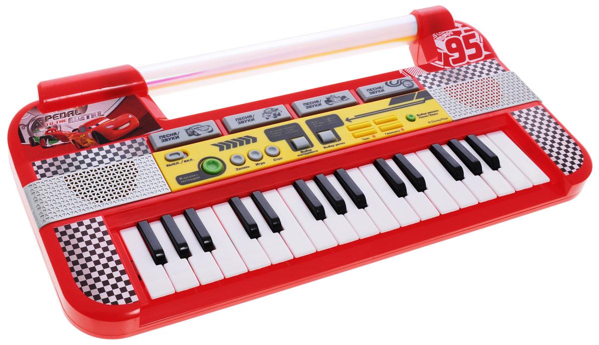 Умка Электропианино Тачки9014-RЭлектропианино Умка Тачки с функцией записи обязательно привлечет внимание вашего малыша! Изделие выполнено из прочного пластика и оснащено световыми и звуковыми эффектами. Электропианино оснащено настоящими клавишами, каждая из которых играет свою ноту, благодаря чему малыш сможет сочинить и сыграть свою мелодию, а с помощью функции записи и воспроизведения он сможет запечатлеть свои шедевры. Пианино включает в себя 6 музыкальных инструментов, 6 ритмов, 4 караоке-мелодии, 4 ударных звука. Также игрушка может порадовать малыша 4 песнями из мультфильма. Играя с таким музыкальным инструментом, ребенок сможет развить цветовое восприятие, мелкую моторику рук, тактильную чувствительность, а также музыкальный слух и чувство ритма. В веселой игровой форме малыш сможет познакомиться с нотами и почувствовать себя настоящим музыкантом! Рекомендуется докупить 3 батарейки напряжением 1,5V типа АА (товар комплектуется демонстрационными).