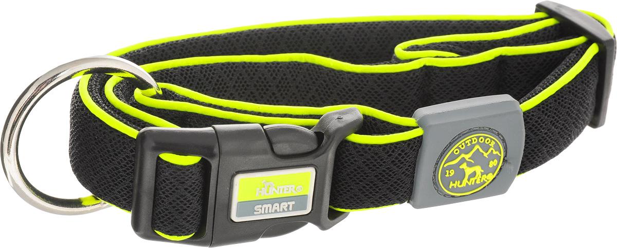 Ошейник для собак Hunter Smart Maui M, цвет: черный, 36-55 см92689Ошейник для собак Hunter Maui выполнен из невероятно мягкого и легкого сетчатого текстиля. Регулируется по размеру в широком диапазоне. Застегивается на пластиковый карабин, имеет металлическое кольцо для поводка. Обхват шеи: 36-55 см. Ширина ошейника: 2,5 см.