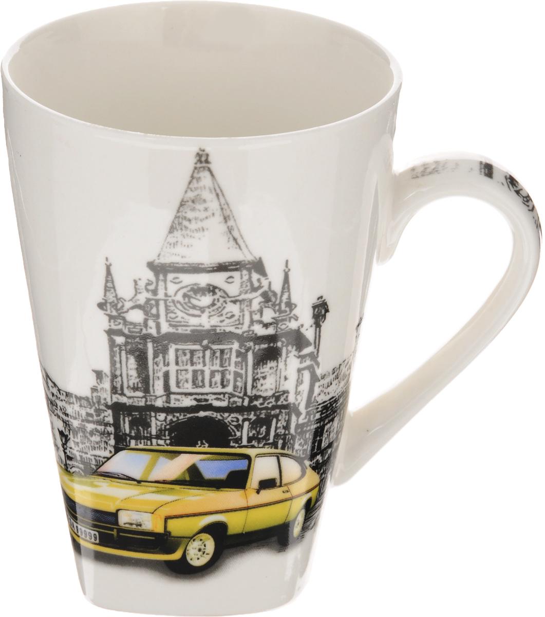 Кружка Patricia Автомобили, цвет: белый, серый, желтый, 400 млIM57-0500/2У каждого из нас дома есть любимая кружка, однако именно такая займет в вашем сердце особое место. Кружка Patricia Автомобили выполнена из высококачественного фарфора и оформлена оригинальным рисунком. Запоминающийся дизайн изделия придется по вкусу даже самым избалованным любителям кухонных аксессуаров. Замечательное качество и удобство в использовании - это те качества, которыми обладает эта кружка. Диаметр кружки по верхнему краю: 8,5 см.