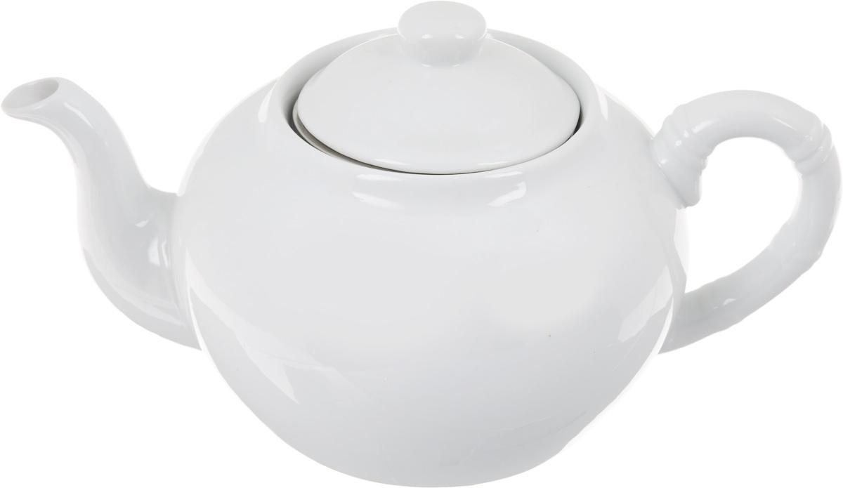Чайник заварочный Patricia, с фильтром, 1 лIM56-0002Заварочный чайник Patricia изготовлен из высококачественного фарфора с гладким глазурованным покрытием. Изделие выполнено в классическом стиле. Чайник снабжен съемным металлическим фильтром и удобной ручкой. В основании носика расположены фильтрующие отверстия от попадания чаинок в чашку. Любой чай в таком изысканном чайнике станет для вас наслаждением, поводом отдохнуть и перевести дыхание. Он прекрасно украсит сервировку стола к чаепитию. Благодаря красивому утонченному дизайну, качеству исполнения и большому объему он станет хорошим подарком друзьям и близким. Не рекомендуется мыть в посудомоечной машине и использовать в микроволновой печи. Диаметр (по верхнему краю): 8,5 см. Внутренний диаметр: 6,5 см. Высота чайника (без учета крышки): 10 см. Высота фильтра: 5 см.