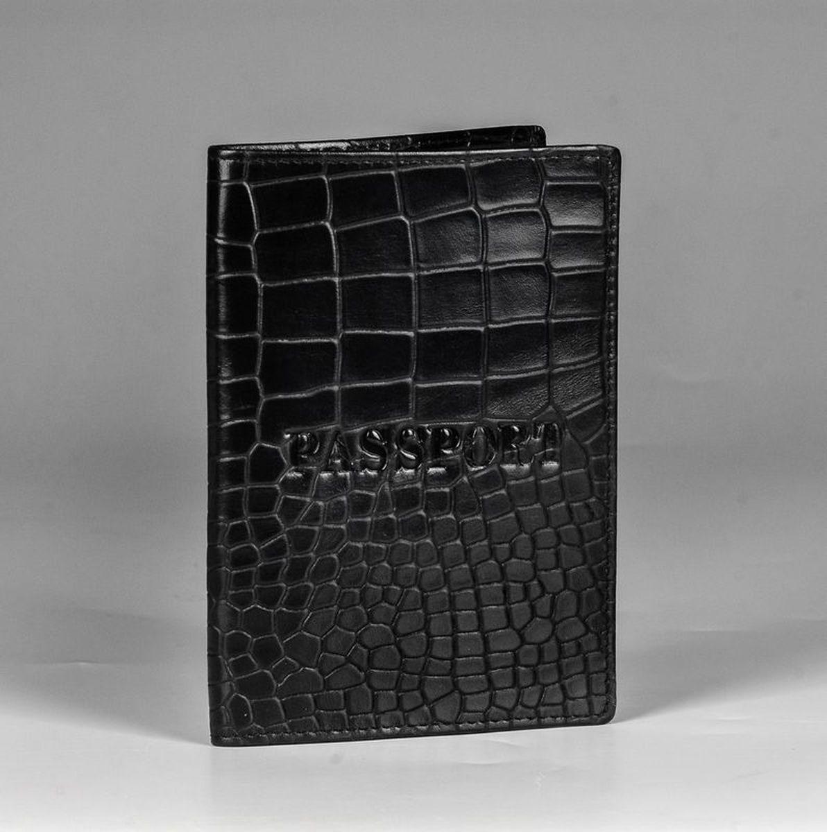 Обложка для паспорта Piero, цвет: черный. 42М6_90111_20_П_142М6_90111_20_П_1Стильная обложка для паспорта из натуральной кожи с тиснением под рептилию. Тканевая подкладка.