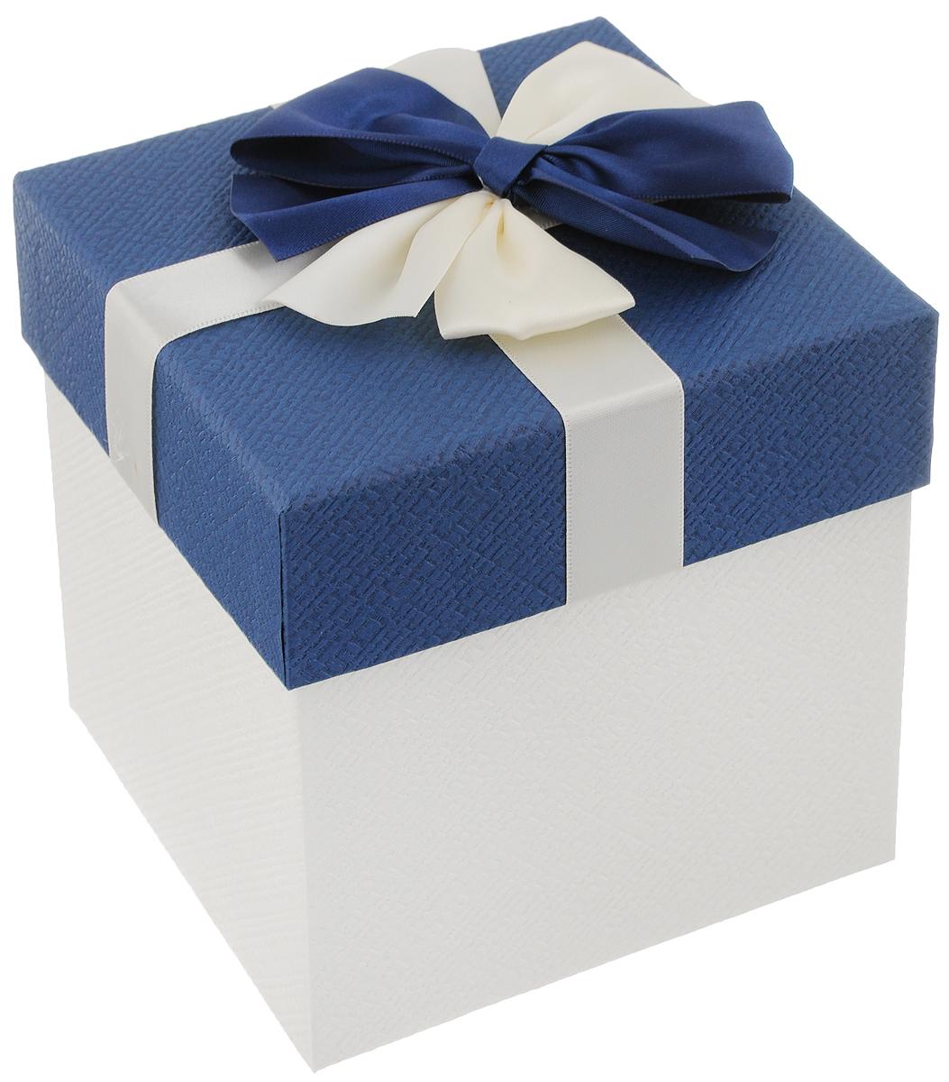 Коробка подарочная Packing Symphony Прямоугольник, цвет: синий, белый, 14 х 14 х 15 см80037004_низ белый, синийКартонная коробка Packing Symphony Прямоугольник - это один из самых оригинальных вариантов упаковки подарков. Любой, даже самый нестандартный подарок, упакованный в такую коробку, создаст момент легкой интриги, а плотный картон сохранит содержимое в первоначальном виде. Оригинальный дизайн самой коробки будет долго напоминать владельцу о трогательных моментах получения подарка.