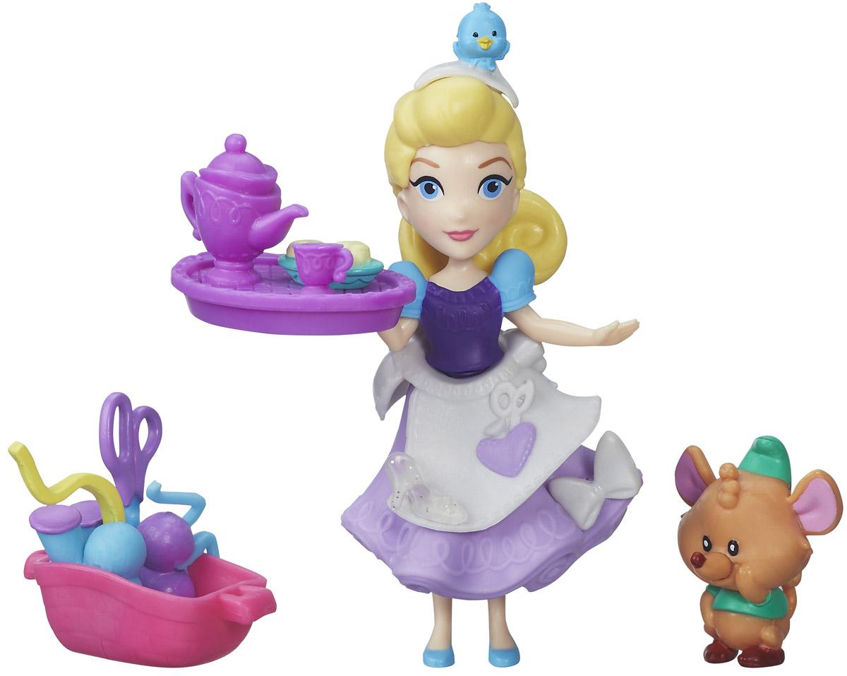 Disney Princess Набор фигурок Cinderellas Sewing PartyB5331_B5333_Cinderella`s Sewing PartyНабор фигурок Disney Princess Cinderellas Sewing Party - замечательное дополнение к играм на тему волшебного мира Принцесс Диснея. Фигурки Золушки и мышки выполнены из качественного пластика и хорошо проработаны. Небольшой размер оптимален: они подойдут для игры, могут стать просто фигуркой-украшением, а еще их удобно коллекционировать. В комплекте также предусмотрены шапочка Золушки с маленьким цыпленком, бантик на юбку, поднос с чайником, чашкой и тарелкой с пирожными, корзина с принадлежностями для шитья. Игры с фигурками способствуют эмоциональному развитию, помогают формировать воображение, чувство ответственности и заботы. Великолепное качество исполнения делает эти игрушки чудесным подарком к любому празднику.