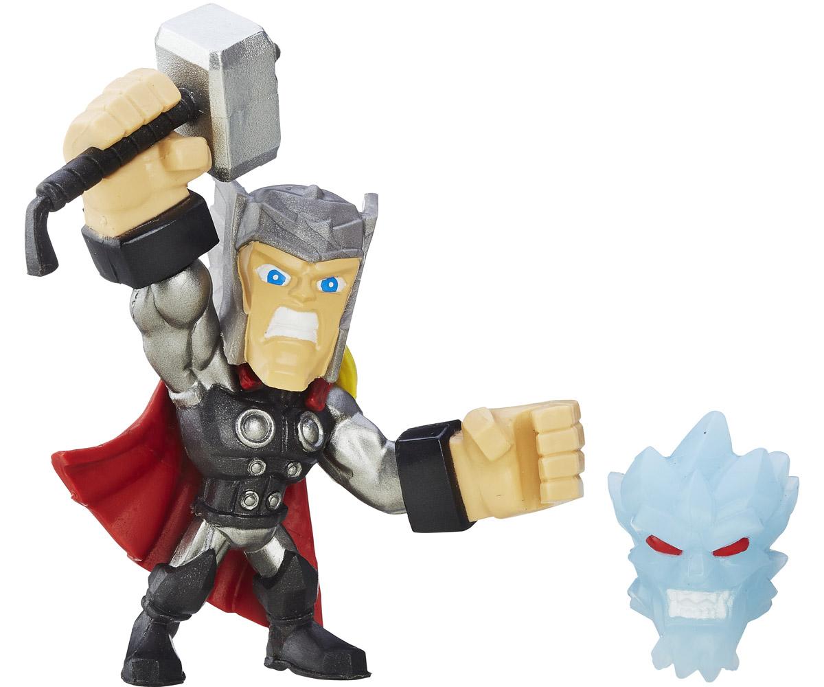 Hero Mashers Фигурка ThorB6431EU4_B6691_ThorСборная фигурка Hero Mashers Thor станет отличным подарком всем поклонникам комиксов. В комплекте с фигуркой идет молот с рукой и голова врага Тора. Даже самые сильные супергерои иногда нуждаются в дополнительной руке или ноге. Сделать это теперь возможно с новой линией фигурок Super Hero Mashers Micro. Несмотря на микроразмер, фигурки супергероев выглядят мощными, особенно с использованием сменных рук, ног и аксессуаров. Каждая фигурка включает в себя 3 точки для сменных элементов, что позволяет детям поменять супергерою голову и руки на те, которые они захотят! Универсальные разъемы позволяют использовать детали с любой другой фигурки героя Mashers, предоставляя свободу для создания нового супергероя! Дополнительно можно прикрепить боевое снаряжение и принадлежности для еще большей мощи!