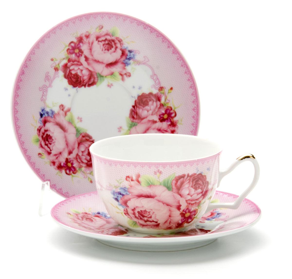 Чайная пара Loraine Розы, 250 мл, 2 предмета. 2458924589Этот чайный набор, выполненный из керамики, состоит из 1 чашки и 1 блюдца. Предметы набора оформлены ярким изображением цветов. Изящный дизайн и красочность оформления придутся по вкусу и ценителям классики, и тем, кто предпочитает утонченность и изысканность. Чайная пара- идеальный и необходимый подарок для вашего дома и для ваших друзей в праздники, юбилеи и торжества! Он также станет отличным корпоративным подарком и украшением любой кухни. Чайная пара упакована в подарочную коробку из плотного цветного картона. Внутренняя часть коробки задрапирована белым атласом.