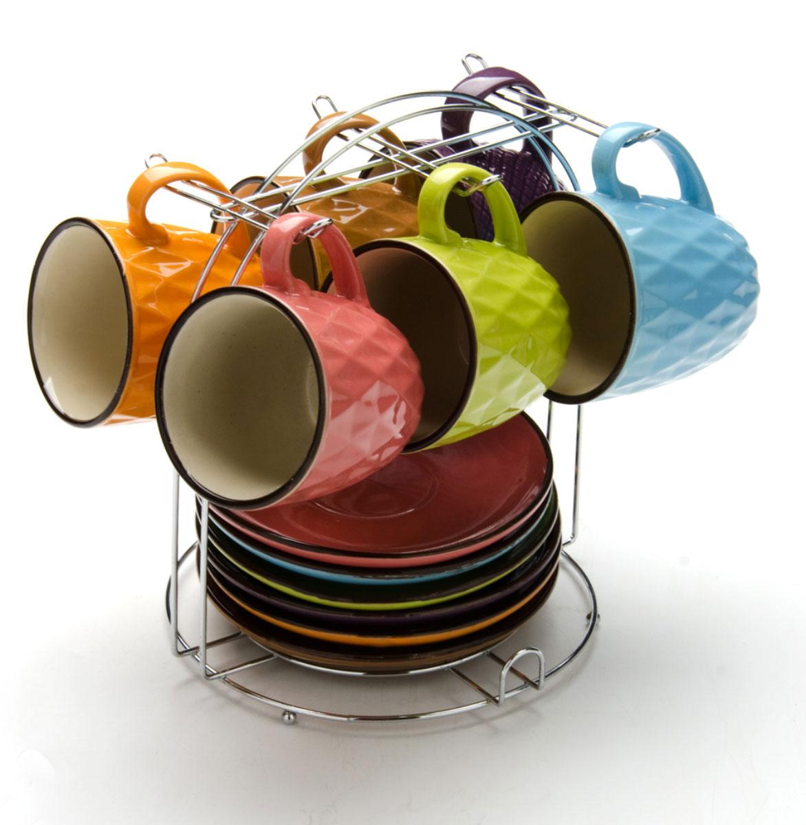 Чайный сервиз Loraine, на подставке, 13 предметов. 2464924649Этот набор состоит из 6 чашек + 6 блюдец и металлическая подставка. Теплостойкие ручки. Элегантный дизайн. Изящный дизайн придется по вкусу и ценителям классики, и тем, кто предпочитает утонченность и изысканность. Он настроит на позитивный лад и подарит хорошее настроение с самого утра. В комплекте - металлическая подставка. Набор кружек LORAINE - идеальный и необходимый подарок для вашего дома и для ваших друзей в праздники.