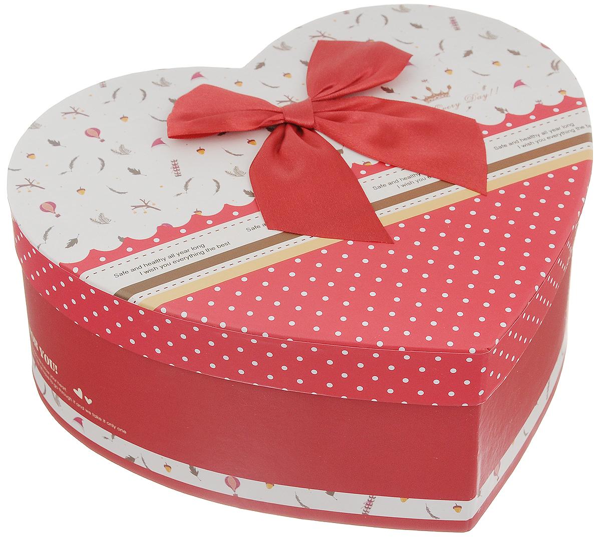 Коробка подарочная Packing Symphony Счастливой жизни, цвет: красный, белый, 20 х 22 х 9 см80037019Подарочная коробка Packing Symphony Счастливой жизни выполнена из картона и декорирована текстильным бантом. Изделие выполнено в виде сердца. Это один из самых оригинальных вариантов упаковки для подарка. Любой, даже самый нестандартный подарок упакованный в такую коробку, создаст момент легкой интриги, а плотный картон сохранит содержимое в первоначальном виде. Оригинальный дизайн самой коробки будет долго напоминать владельцу о трогательных моментах получения подарка.