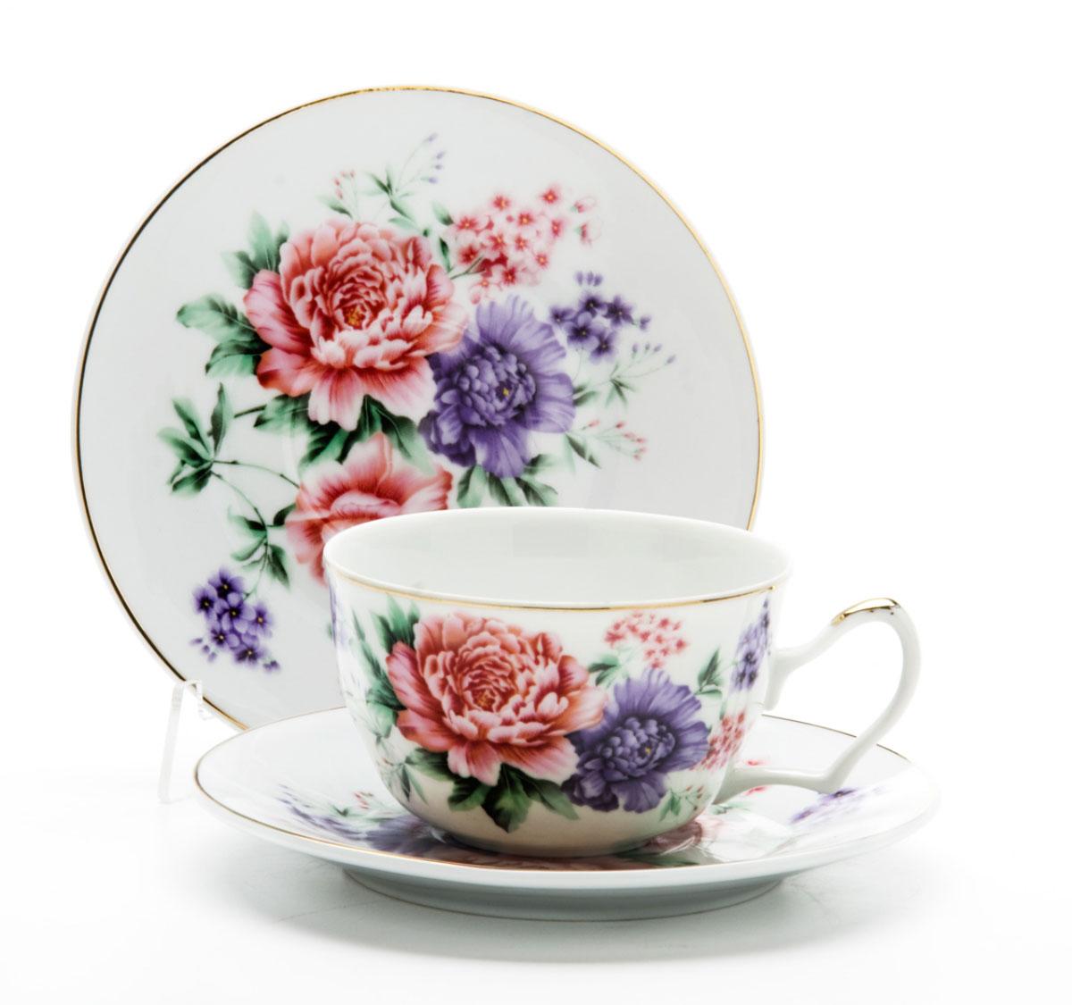 Чайная пара Loraine, 250 мл, 2 предмета. 2459524595Этот чайный набор, выполненный из керамики, состоит из 1 чашки и 1 блюдца. Предметы набора оформлены ярким изображением цветов. Изящный дизайн и красочность оформления придутся по вкусу и ценителям классики, и тем, кто предпочитает утонченность и изысканность. Чайная пара- идеальный и необходимый подарок для вашего дома и для ваших друзей в праздники, юбилеи и торжества! Он также станет отличным корпоративным подарком и украшением любой кухни. Чайная пара упакована в подарочную коробку из плотного цветного картона. Внутренняя часть коробки задрапирована белым атласом.