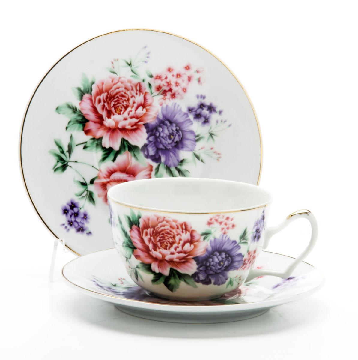 Чайная пара Loraine, 250 мл, 4 предмета. 2459624596Этот чайный набор, выполненный из керамики, состоит из двух чашек и двух блюдец. Предметы набора оформлены ярким изображением цветов. Изящный дизайн и красочность оформления придутся по вкусу и ценителям классики, и тем, кто предпочитает утонченность и изысканность. Чайный набор - идеальный и необходимый подарок для вашего дома и для ваших друзей в праздники, юбилеи и торжества! Он также станет отличным корпоративным подарком и украшением любой кухни. Чайный набор упакован в подарочную коробку из плотного цветного картона. Внутренняя часть коробки задрапирована белым атласом.