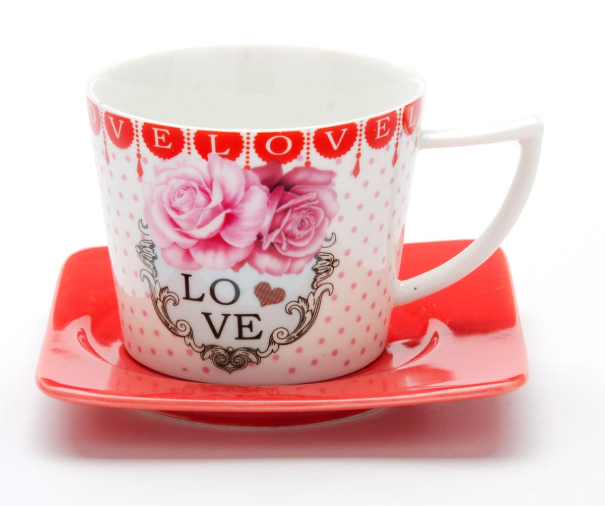 Чайная пара Loraine I LOVE YOU, 230 мл, 2 предмета. 2470824708Этот чайный набор, выполненный из керамики, состоит из одной чашки и блюдца. Предметы набора оформлены ярким изображением I LOVE YOU. Изящный дизайн и красочность оформления придутся по вкусу и ценителям классики, и тем, кто предпочитает утонченность и изысканность. Чайный набор - идеальный и необходимый подарок для вашего дома и для ваших друзей в праздники, юбилеи и торжества! Он также станет отличным корпоративным подарком и украшением любой кухни. Чайный набор упакован в подарочную коробку из плотного цветного картона. Внутренняя часть коробки задрапирована белым атласом.