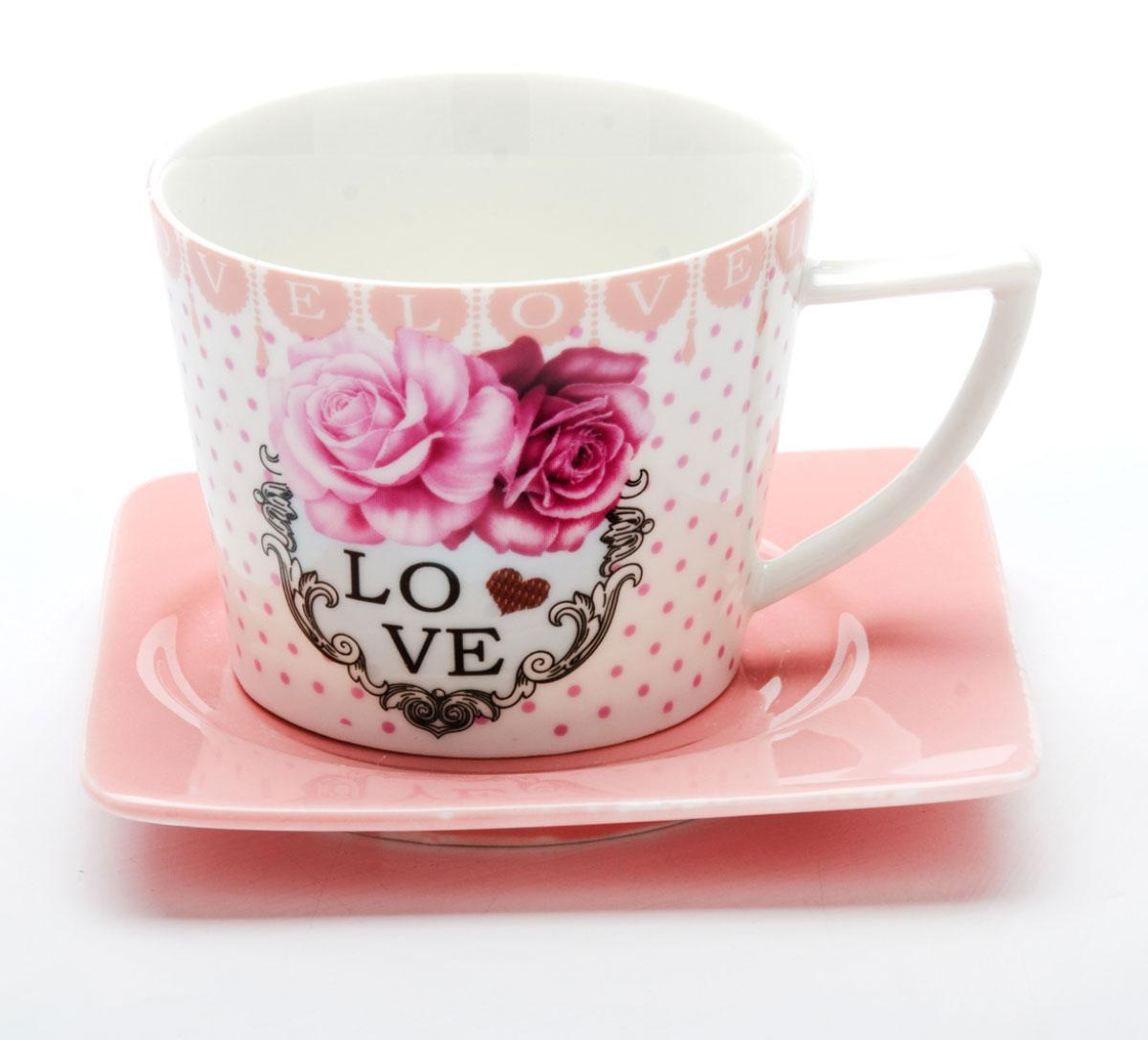Чайная пара Loraine I LOVE YOU, 230 мл, 2 предмета. 2470924709Этот чайный набор, выполненный из керамики, состоит из одной чашки и блюдца. Предметы набора оформлены ярким изображением I LOVE YOU. Изящный дизайн и красочность оформления придутся по вкусу и ценителям классики, и тем, кто предпочитает утонченность и изысканность. Чайный набор - идеальный и необходимый подарок для вашего дома и для ваших друзей в праздники, юбилеи и торжества! Он также станет отличным корпоративным подарком и украшением любой кухни. Чайный набор упакован в подарочную коробку из плотного цветного картона. Внутренняя часть коробки задрапирована белым атласом.