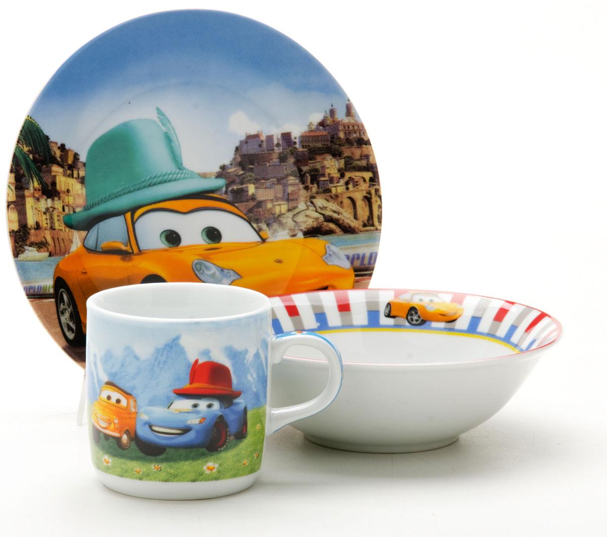 Набор посуды Loraine Тачки, 3 предмета25603Набор посуды Фея сочетает в себе изысканный дизайн с максимальной функциональностью. В набор входят суповая тарелка, обеденная тарелка и кружка. Предметы набора выполнены из высококачественной керамики, декорированы красочным рисунком. Благодаря такому набору обед вашего ребенка будет еще вкуснее. Набор упакован в красочную, подарочную упаковку.