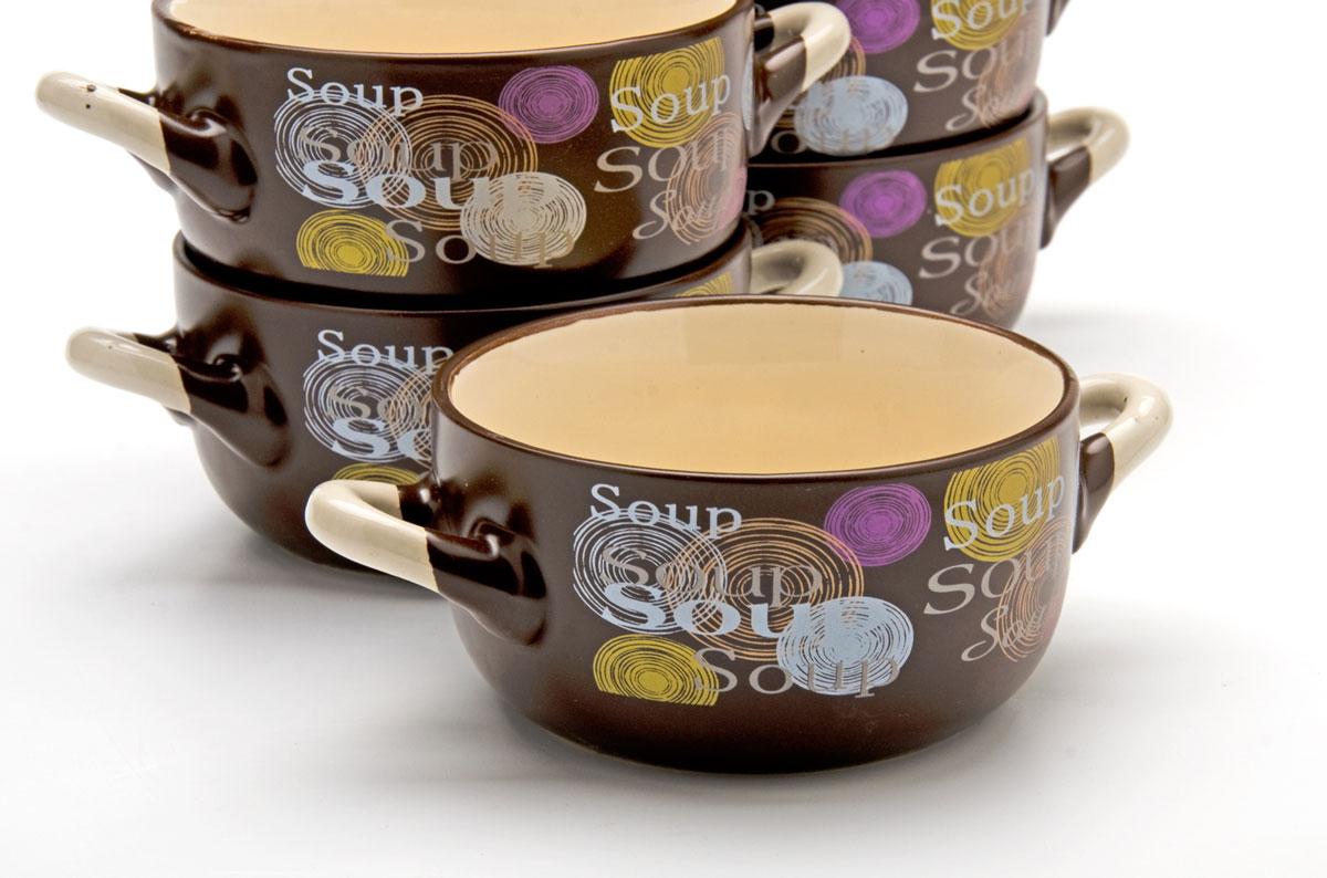 Набор супниц Loraine, 380 мл, 6 предметов. 2354423544Каждая хозяйка знает – красивое должно быть и удобным, ведь в первую очередь на кухне важна функциональность. Набор состоит из 6-х керамических супниц. Керамика обладает термической и химической прочностью, поэтому супницы прослужат Вам по-настоящему долго. Набор супниц темного цвета приятно задекорирован светлыми, яркими тонами, создаст на кухне атмосферу уюта. Благодаря своей форме, супницы и подставку легко мыть как вручную, так и в посудомоечной машинке, а компактный размер набора позволит удобно хранить его на любой кухне.