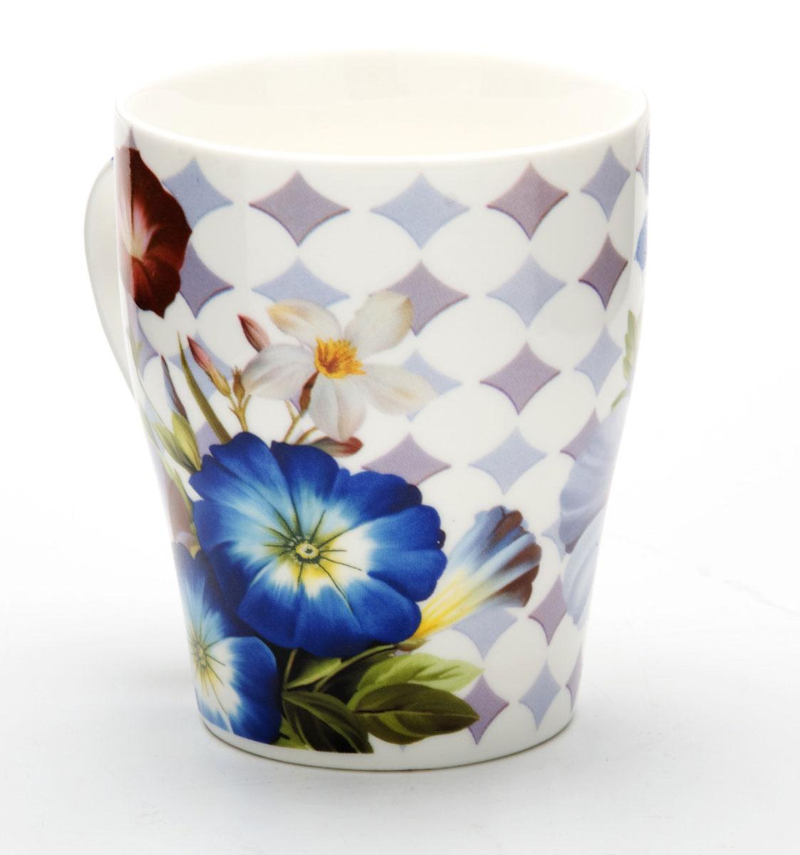 Кружка Loraine Цветы, 340 мл. 2444924449Кружка изготовлена из высококачественного костяного фарфора и оформлена стильным рисунком Цветы. Изящный дизайн придется по вкусу и ценителям классики, и тем, кто предпочитает утонченность и изысканность. Она настроит на позитивный лад и подарит хорошее настроение с самого утра. Кружка LORAINE - идеальный и необходимый подарок для вашего дома и для ваших друзей в праздники.