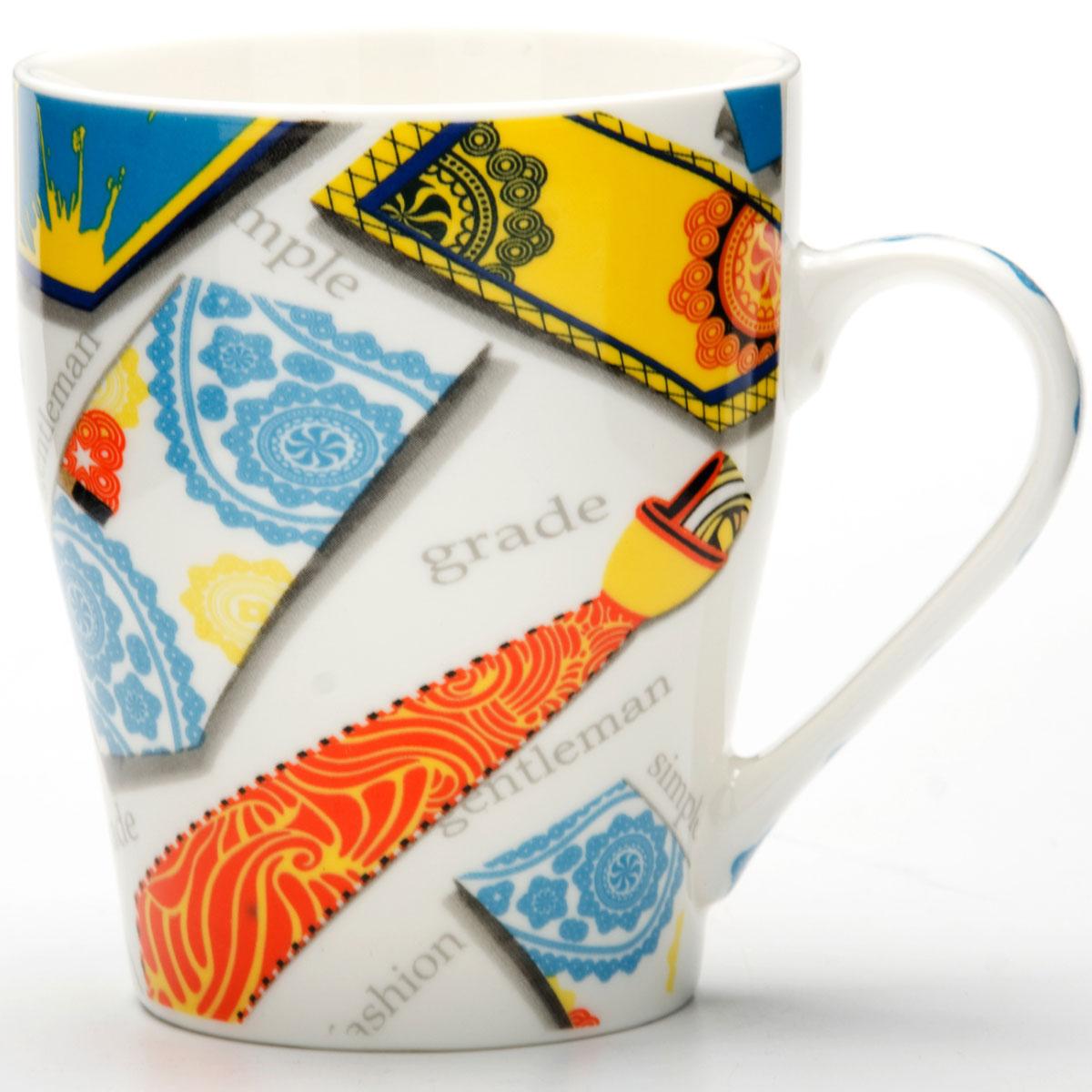 Кружка Loraine Галстук, цвет: оранжевый, 340 мл24461Кружка изготовлена из высококачественного костяного фарфора и оформлены стильным рисунком ГАЛСТУК. Изящный дизайн придется по вкусу и ценителям классики, и тем, кто предпочитает утонченность и изысканность. Она настроит на позитивный лад и подарит хорошее настроение с самого утра. Кружка LORAINE - идеальный и необходимый подарок для вашего дома и для ваших друзей в праздники.