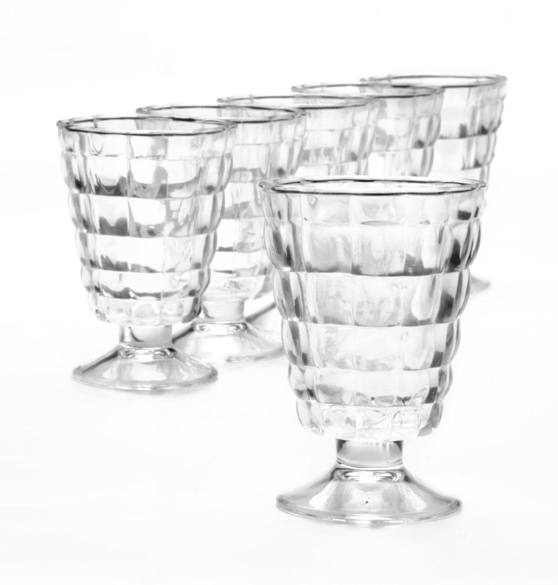 Набор стаканов Loraine, 220 мл, 6 шт. 2468624686Набор стаканов MAYER & BOCH состоит из шести стаканов, выполненных из прочного натрий-кальций-силикатного стекла. Внешние стенки изделий украшены изящным рельефом. Такие стаканы прекрасно подойдут для подачи лимонада, сока, воды и других напитков. Набор стаканов MAYER & BOCH станет незаменимым на вашей кухне, а изящный дизайн порадует любую хозяйку.