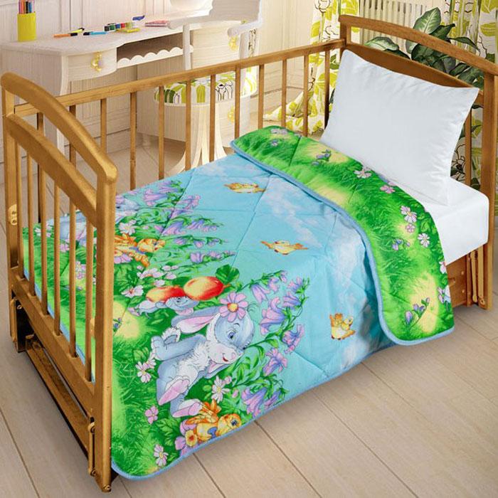 Letto Одеяло детское стеганое цвет голубойsp23-110Легкое оригинальное покрывало в чехле будет радовать вашего малыша в течение всего года. Сидеть на таком покрывале будет приятно и комфортно - ведь оно выполнено из 100% хлопка. К тому же одеяло можно использовать и как одеяло на детскую кровать. Наполнитель - силиконизированное волокно. Вашему ребенку не будет жарко под таким одеялом, а это значит от не будет раскрываться. Оно подлежит машинной стирке при температуре 30 гр., строго на деликатном режиме.