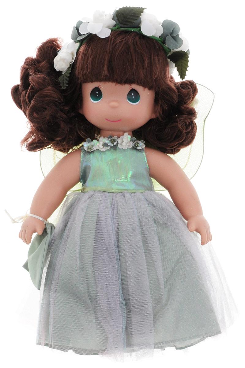 Precious Moments Кукла Волшебные желания4536Коллекция кукол Precious Moments ростом выше 30 см насчитывает на сегодняшний день более 600 видов. Куклы изготавливаются из качественного, безопасного материала и имеют пять базовых точек артикуляции. Каждый год в коллекцию добавляются все новые и новые модели. Каждая кукла имеет свой неповторимый образ и характер. Она может быть подарком на память о каком- либо событии в жизни. Куклы выполнены с любовью и нежностью, которую дарит нам известная волшебница - создатель кукол Линда Рик! Кукла Волшебные желания обязательно привлечет внимание вашей девочки. На кукле длинное блестящее платье. Прическа куклы дополнена текстильными цветочками. На спине у куколки полупрозрачные крылышки, которые с легкостью можно отстегнуть. На руке у девочки висит сумочка. Одежда куклы съемная. Кукла научит ребенка взаимодействовать с окружающими, а также поспособствует развитию воображения, логики и тактильного восприятия. Порадуйте свою принцессу таким великолепным...