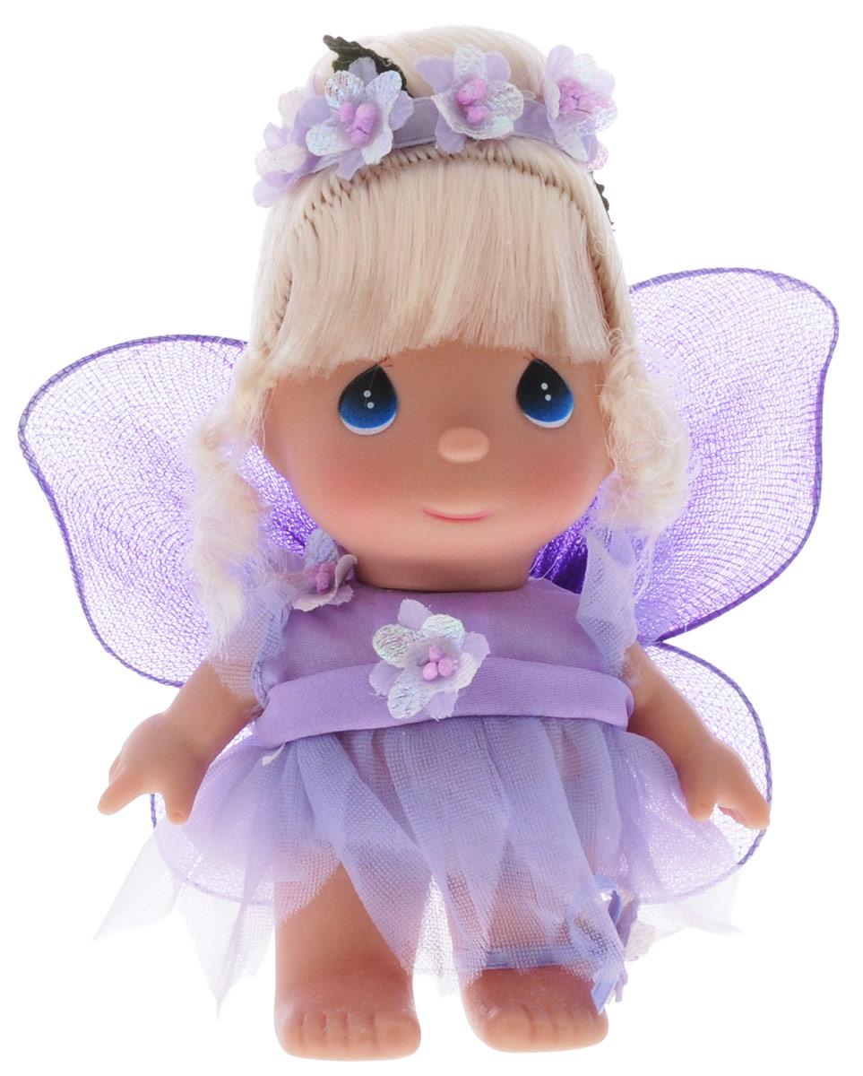 Precious Moments Мини-кукла Фея цвет наряда фиолетовый5406Какие же милые эти куколки Precious Moments. Создатель этих очаровательных крошек настоящая волшебница - Линда Рик - оживила свои творения, каждая кукла обрела свой милый и неповторимый образ. Эти крошки могут сопровождать вас в чудесных странствиях и сделать каждый момент вашей жизни незабываемым! Мини-кукла Фея одета в волшебное платье фиолетового цвета. На спине у куклы крылышки, которые с легкостью можно отстегнуть. Светлые волосы куклы убраны в прическу, украшенную перламутровыми цветами. У девочки большие синие глаза. Благодаря играм с куклой, ваша малышка сможет развить фантазию и любознательность, овладеть навыками общения и научиться ответственности. Порадуйте свою принцессу таким прекрасным подарком!