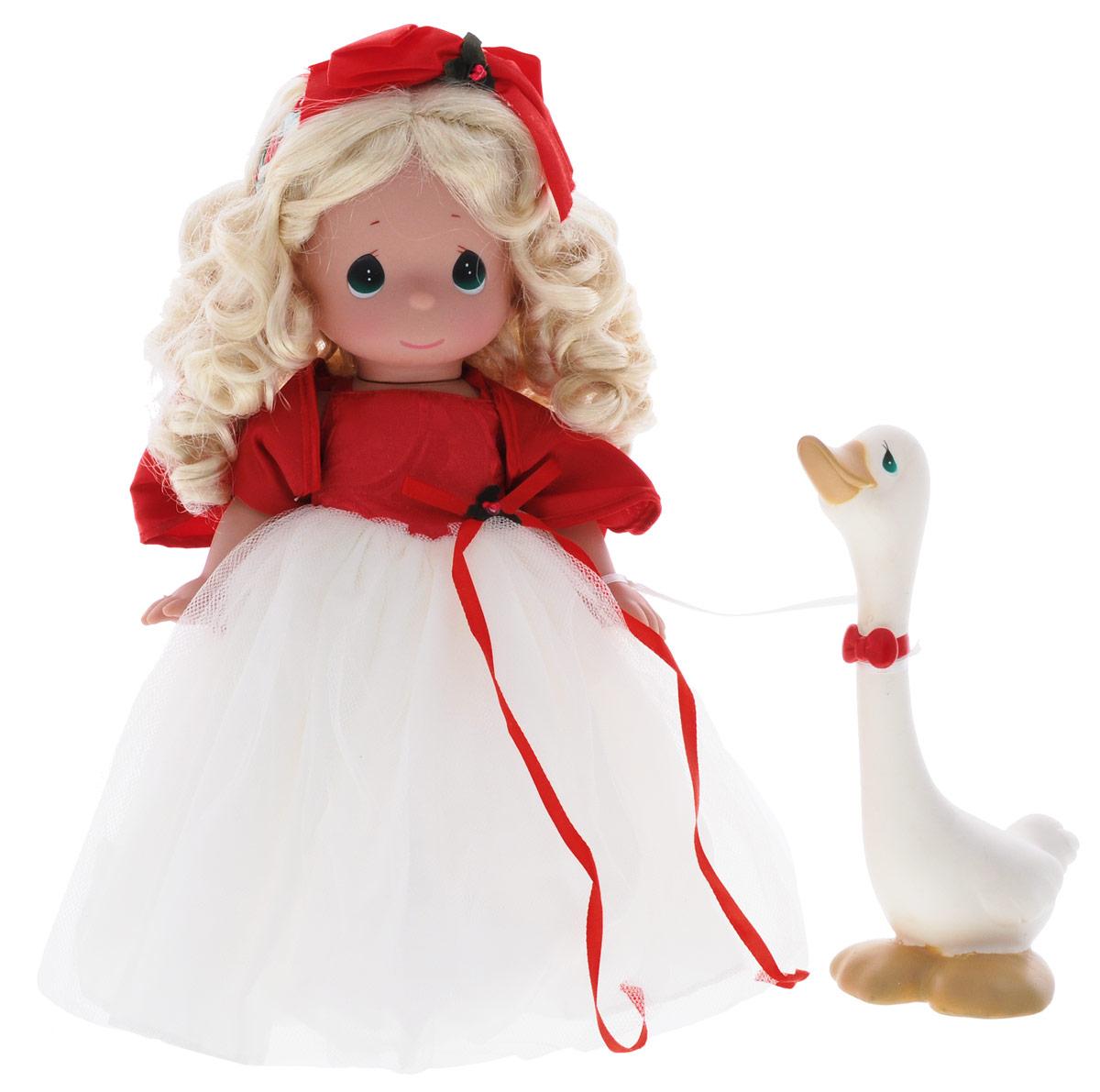 Precious Moments Кукла Сезон радости блондинка4694Коллекция кукол Precious Moments ростом выше 30 см насчитывает на сегодняшний день более 600 видов. Куклы изготавливаются из качественного, безопасного материала и имеют пять базовых точек артикуляции. Каждый год в коллекцию добавляются все новые и новые модели. Каждая кукла имеет свой неповторимый образ и характер. Она может быть подарком на память о каком- либо событии в жизни. Куклы выполнены с любовью и нежностью, которую дарит нам известная волшебница - создатель кукол Линда Рик! Кукла Сезон радости очарует вас и вашу дочурку с первого взгляда! Кукла одета в пышное платье с белым подолом. На ногах у куклы золотистые туфли. У девочки светлые вьющиеся волосы и большие глаза изумрудного цвета. Одежда у куклы съемная. В комплект с куклой входит гусь с красным бантиком на шее. Игра с куклой разовьет в вашей малышке чувство ответственности и заботы. Порадуйте свою принцессу таким великолепным подарком!