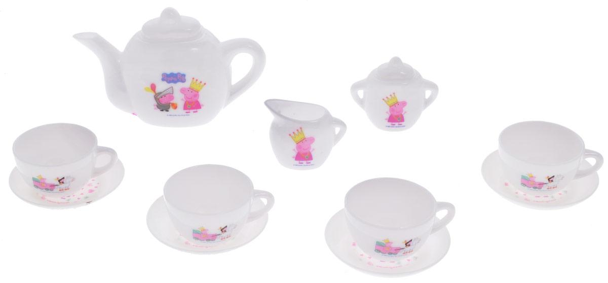 Peppa Pig Игрушечный набор посуды Королевское чаепитие29699Добро пожаловать на королевское чаепитие! Девочки любят сказки о принцессах и волшебных замках, а еще больше они обожают угощать чаем своих подруг. С очаровательным игрушечным набором посуды Peppa Pig Королевское чаепитие, на предметах которого красуются потрясающие изображения принцессы Пеппы и ее братика Джорджа в рыцарских доспехах, любая малышка почувствует себя настоящей принцессой. Этот набор для сюжетно-ролевой игры поможет девочкам развивать воображение и навыки общения, обмениваться знаниями и осваивать правила этикета. В наборе 12 предметов, рассчитанных на 4 персоны: 4 чашечки, 4 блюдца, сахарница, молочник, чайник с крышечкой. Набор изготовлен из безопасного пластика.