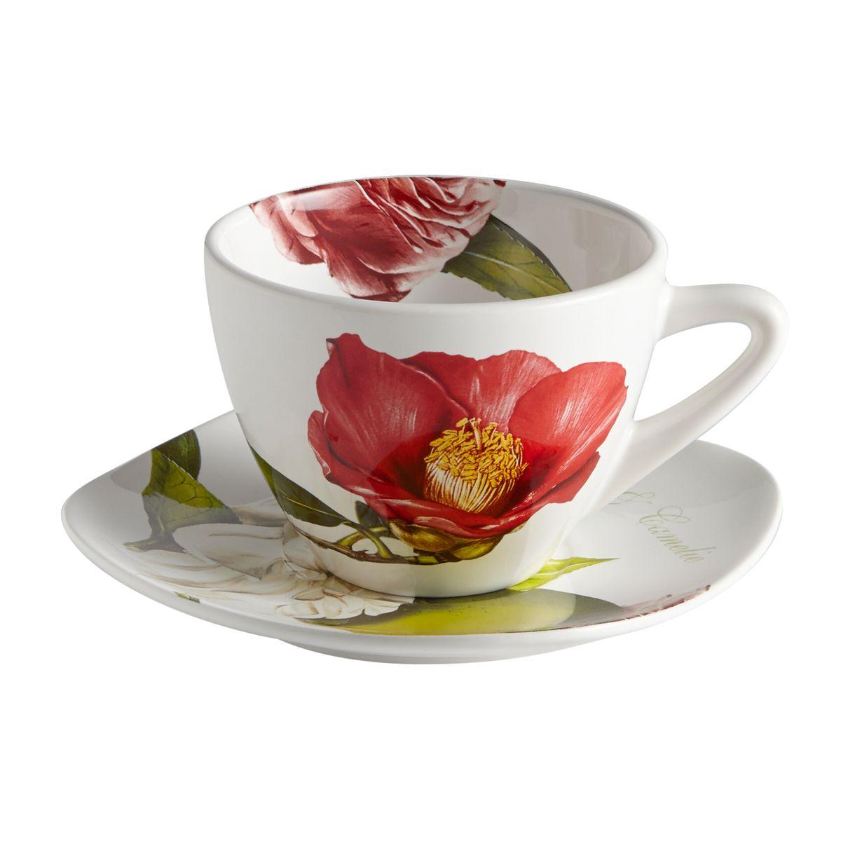 Чашка с блюдцем Яблоки и камелии. CV2-4804-ALCV2-4804-ALКерамическая посуда итальянской фабрики «Ceramiche Viva» известна не только своим превосходным качеством, но и удивительными, неповторимыми дизайнами, отличающими ее от любой другой керамической посуды.Помимо внешней привлекательности посуда «Ceramiche Viva» обладает и прекрасными практическими свойствами: посуду «Ceramiche Viva» можно мыть в посудомоечной машине и использовать в микроволновой печи. Не разрешается применять при мытье посуды абразивные порошки. Поверхность изделий покрыта высококачественной глазурью, не содержащей свинца.
