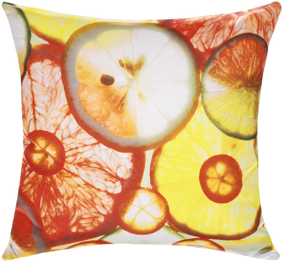 Подушка декоративная GiftnHome Цитрусовая свежесть, 35 х 35 cмPLW-35 Citrus FreshДекоративная подушка GiftnHome Цитрусовая свежесть - это яркое украшение вашего дома. Чехол выполнен из гладкого и приятного на ощупь атласа (искусственного шелка). Лицевая сторона украшена красочным изображением. Чехол застегивается на молнию. Внутренний наполнитель подушки - холлофайбер. Красивая подушка создаст в доме уют и станет прекрасным элементом декора.