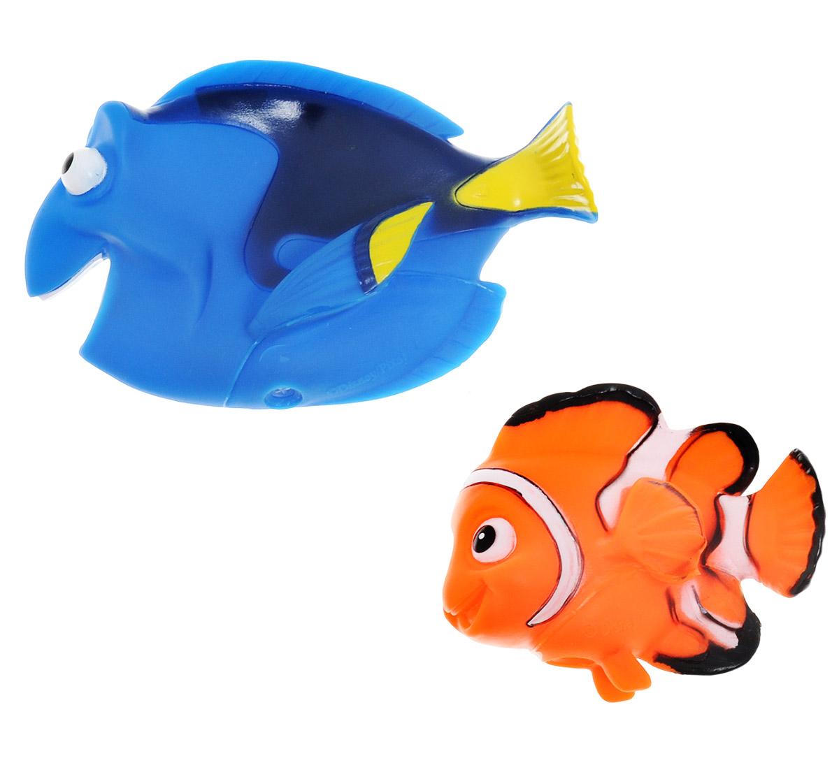 Играем вместе Набор игрушек для ванной В поисках Немо 2 шт120R-123R-PVC_синий, оранжевыйС набором игрушек для ванной Играем вместе В поисках Немо принимать водные процедуры станет еще веселее и приятнее. В набор входят 2 игрушки в виде синей и оранжевой рыбок из популярного мультфильма. Игрушки могут брызгать водой и пищать. Набор доставит ребенку большое удовольствие и поможет преодолеть страх перед купанием. Игрушки для ванной способствуют развитию воображения, цветового восприятия, тактильных ощущений и мелкой моторики рук.