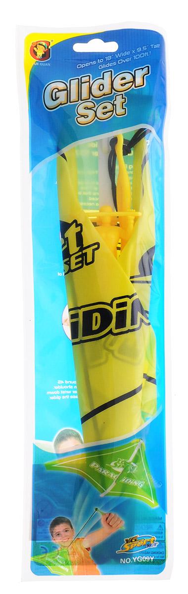 YG Sport Игровой набор Планер цвет желтыйYG09YИгровой набор YG Sport Планер - это замечательная игрушка для активных ребят. Набор изготовлен из прочного пластика, имеет очень простую конструкцию, внешне и по принципу работы напоминает воздушного змея. В набор включено пусковое устройство, благодаря которому планер запускается в полет, словно из рогатки. Также к нему цепляется фигурка храброго пилота, выполненная из пластика. Игрушка легкая, компактно складывается для простоты переноски, что очень важно для детишек, которые не сидят на месте ни минуты.