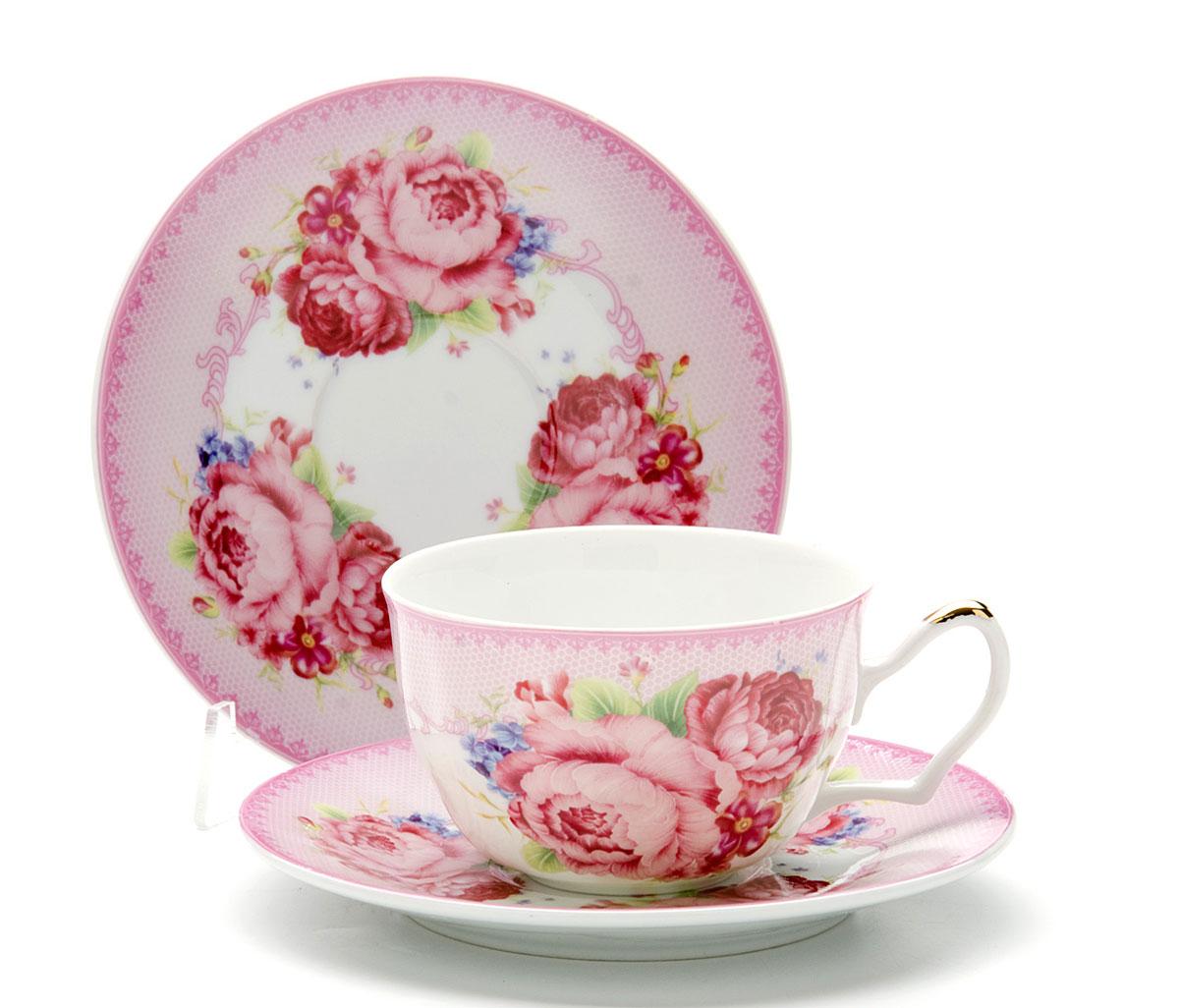 Чайная пара Loraine Розы, 250 мл, 4 предмета. 2459024590Этот чайный набор, выполненный из керамики, состоит из двух чашек и двух блюдец. Предметы набора оформлены ярким изображением цветов. Изящный дизайн и красочность оформления придутся по вкусу и ценителям классики, и тем, кто предпочитает утонченность и изысканность. Чайный набор - идеальный и необходимый подарок для вашего дома и для ваших друзей в праздники, юбилеи и торжества! Он также станет отличным корпоративным подарком и украшением любой кухни. Чайный набор упакован в подарочную коробку из плотного цветного картона. Внутренняя часть коробки задрапирована белым атласом.