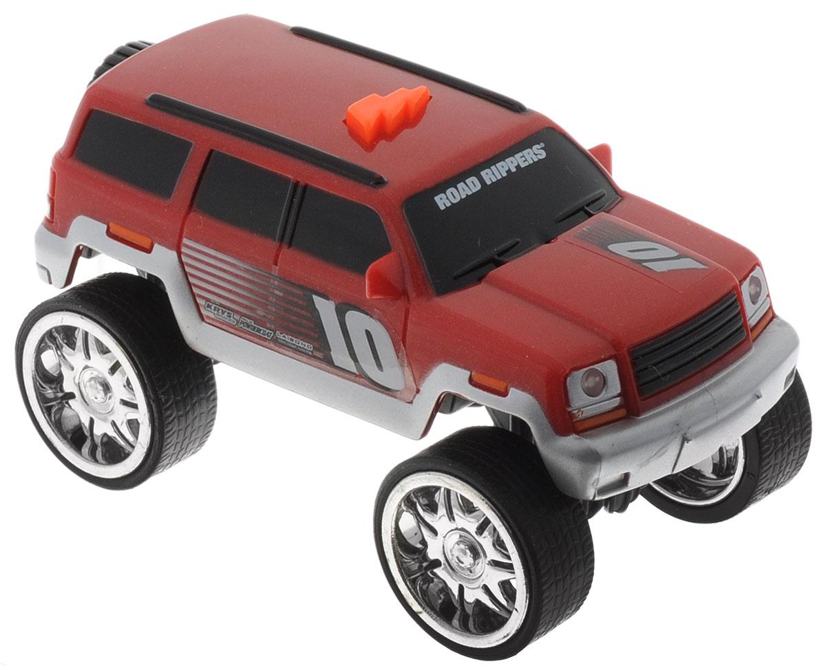 Toystate Машина Flash Rides цвет красный серебристый33000TS_красный, серыйЯркая машина Toystate Flash Rides со звуковыми и световыми эффектами, несомненно, понравится вашему ребенку и не позволит ему скучать. При нажатии на кнопку, расположенную на крыше, светятся фары, воспроизводятся звуки двигателя и играет музыка. Колеса машины имеют свободный ход. Ваш ребенок увлеченно будет играть с машинкой, придумывая различные истории и устраивая соревнования. Порадуйте его таким замечательным подарком! Рекомендуется докупить 2 батарейки напряжением 1,5V типа LR44 (товар комплектуется демонстрационными).