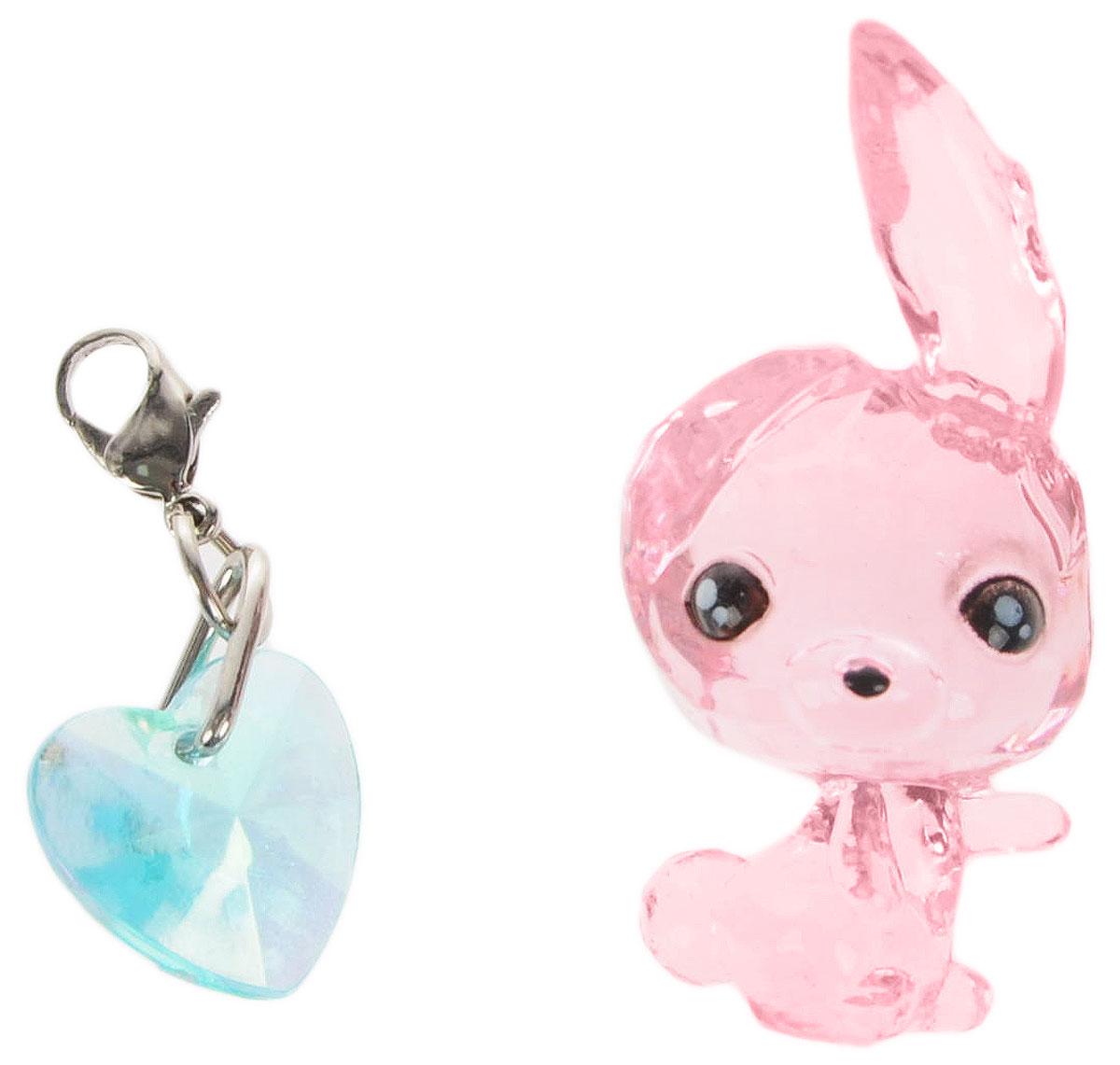 Crystal Surprise Фигурка Кролик Dash цвет розовый45701_розовыйСамые искристые, самые сияющие малютки-зверюшки собрались здесь, чтобы принести вам удачу! Когда на небе встает солнце вдогонку тающей луне, появляются зверьки Crystal Surprise. Возьмите их в руку - и почувствуете, как они приносят удачу. У каждого зверька Crystal Surprise есть свое предназначение, каждый из них станет вашим талисманом. Носите, дарите их. Соберите их всех, чтобы умножить их магические способности! Предназначение фигурки Crystal Surprise Кролик Dash - творчество. В своих фантазиях вы летаете без крыльев. Благодаря воображению вы видите невидимое. И нет предела вашим приключениям! В набор также входит подвеска на удачу!