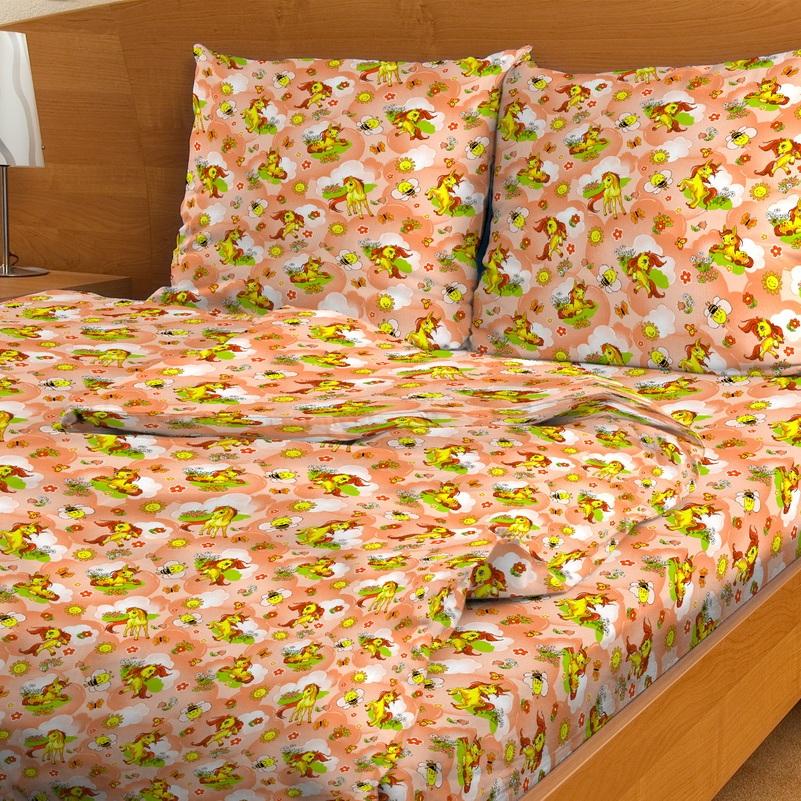 Letto Комплект белья для новорожденных Ясли BGR-31BGR-31Комплект постельного белья в кроватку с простыней на резинке в хлопковом исполнении и с хорошими устойчивыми красителями - по очень доступной цене! Эта модель произведена из традиционной российский бязи, плотного плетения. Такое белье прослужит долго и выдержит много стирок. Рекомендуется перед первым использованием постирать, но не пересушивать. Размер: пододеяльник 145*110,простыня 60*120 высота 20 см, резинка целиком по периметру. нав-ка 40*60. Рисунок на наволочке может отличаться от представленного на фото. Подлежит машинной стирке при температуре 30 гр., строго на деликатном режиме.