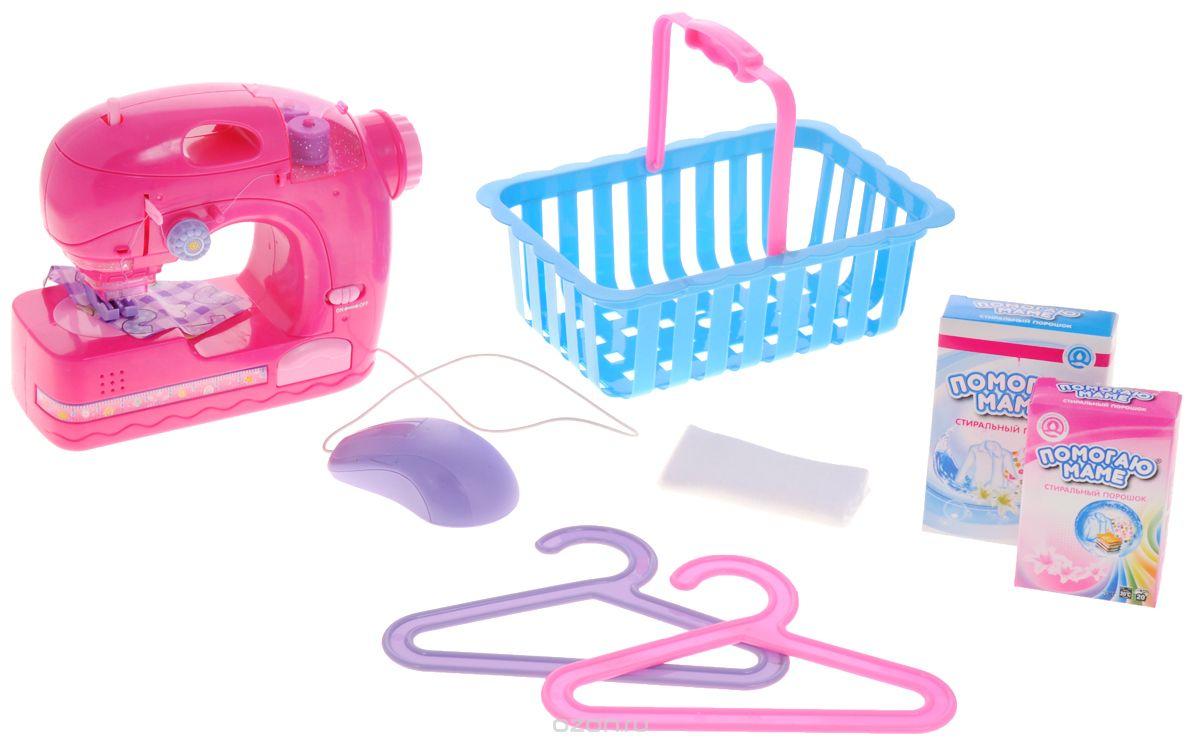 ABtoys Игровой набор Швейная машинка цвет розовыйPT-00229Игровой набор ABtoys Швейная машинка привлечет внимание вашей малышки. Это отличный набор для юной рукодельницы. Он поможет девочке освоить основы шитья в веселой и безопасной игровой форме. Швейная машинка оснащена световыми и звуковыми эффектами. Машинка оборудована отсеком для трех катушек ниток и удобной ручкой, с помощью которой ее можно переносить. На фронтальной стороне корпуса машинки расположен рычажок - передвиньте его вправо, и заиграет музыка. Контейнер для хранения швейных принадлежностей поможет девочке обеспечить порядок на рабочем месте. Благодаря ему, швейные принадлежности не потеряются и всегда будут под рукой. Необходимо купить 3 батарейки напряжением 1,5V типа АА (не входят в комплект).
